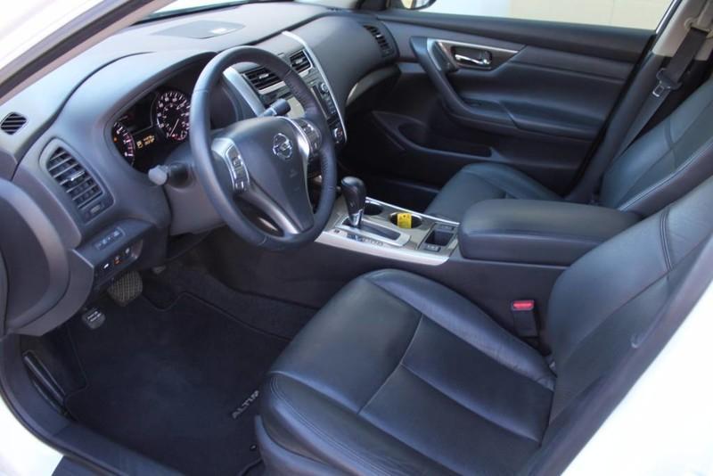 Used-2014-Nissan-Altima-25-SL-vintage