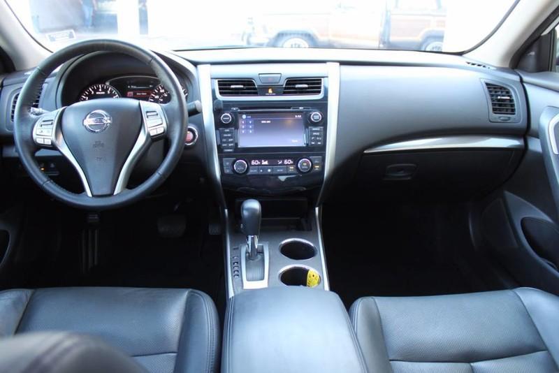 Used-2014-Nissan-Altima-25-SL-BMW