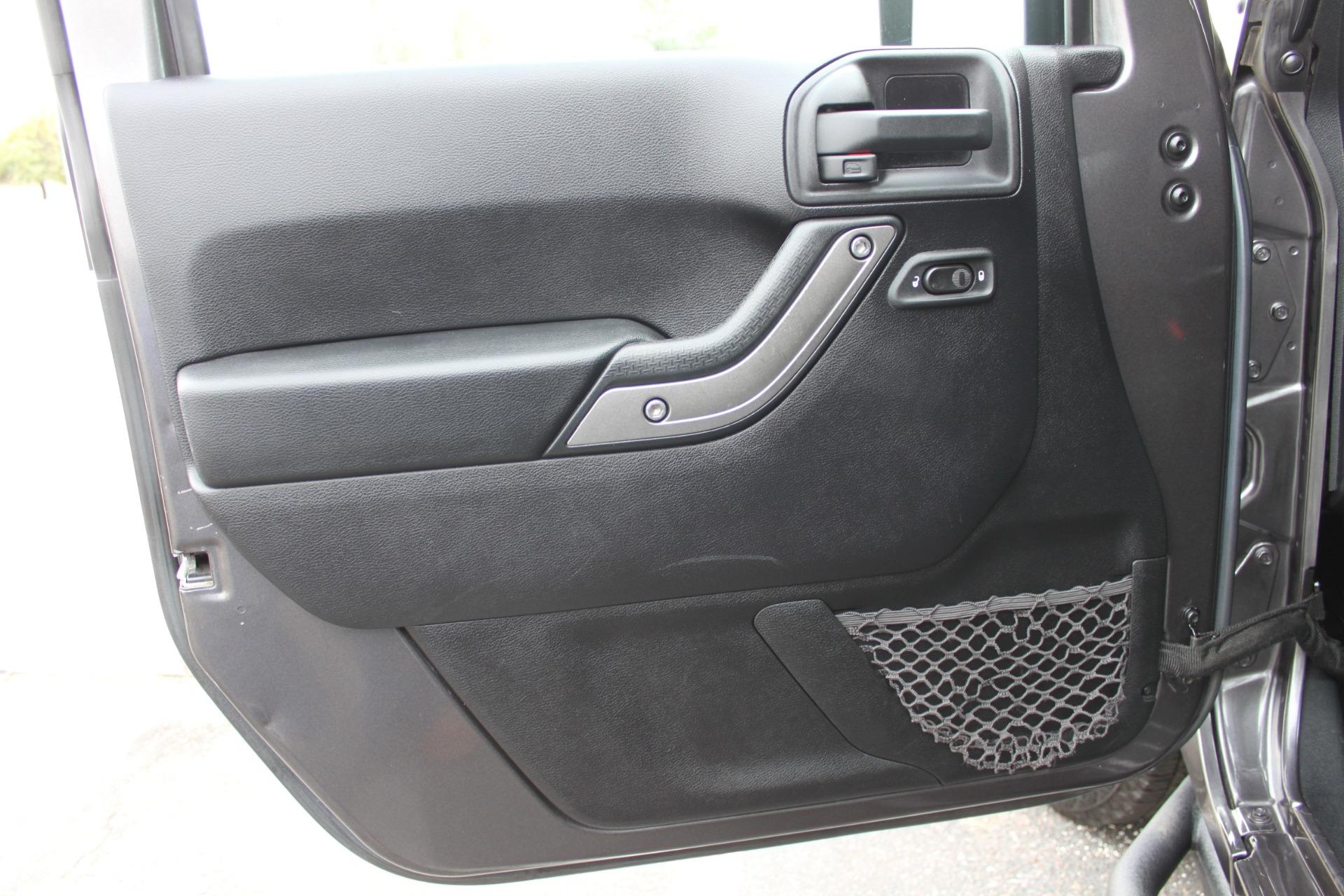 Used-2014-Jeep-Wrangler-Unlimited-Sport-4X4-Jaguar