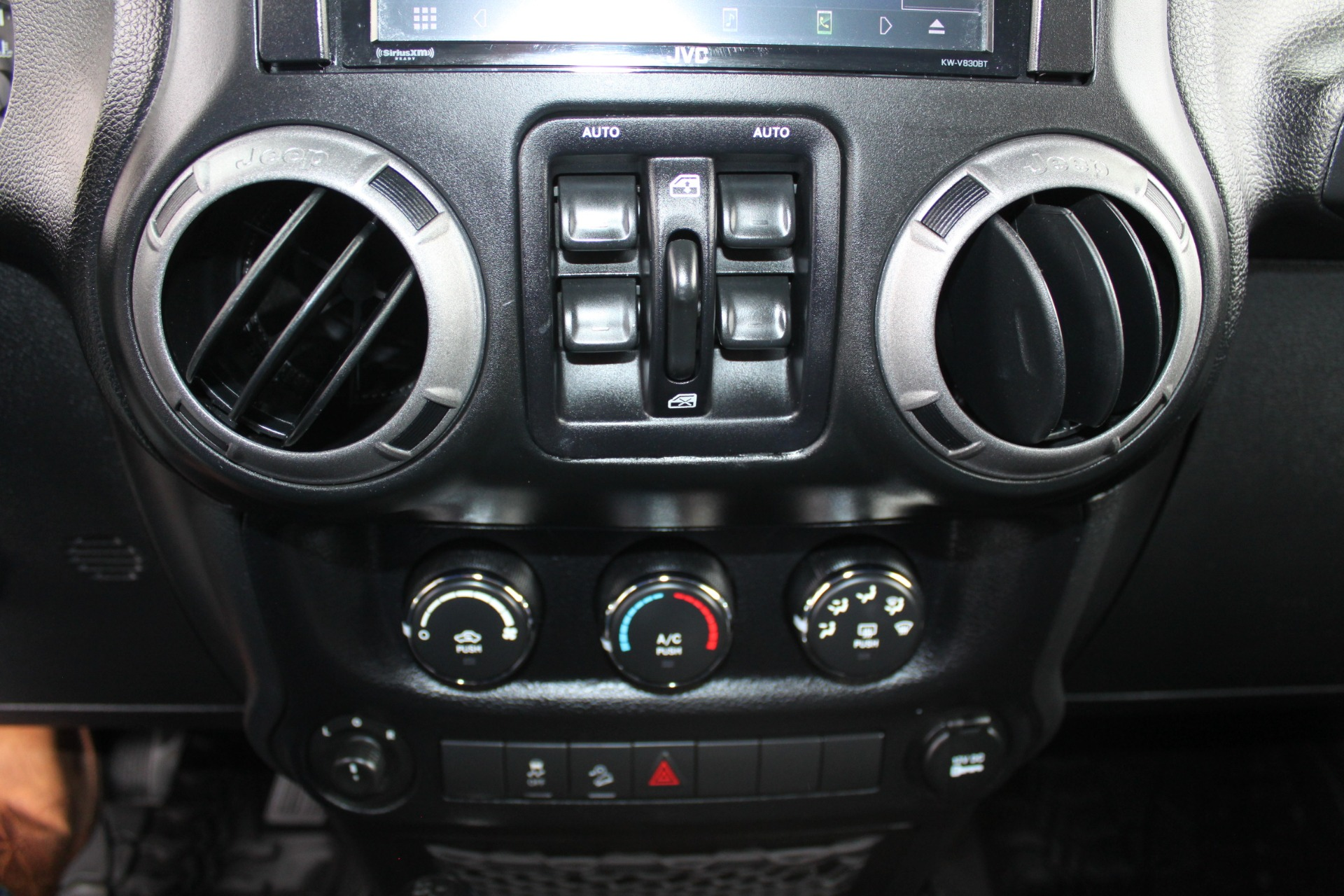 Used-2014-Jeep-Wrangler-Unlimited-Sport-4X4-Land-Rover