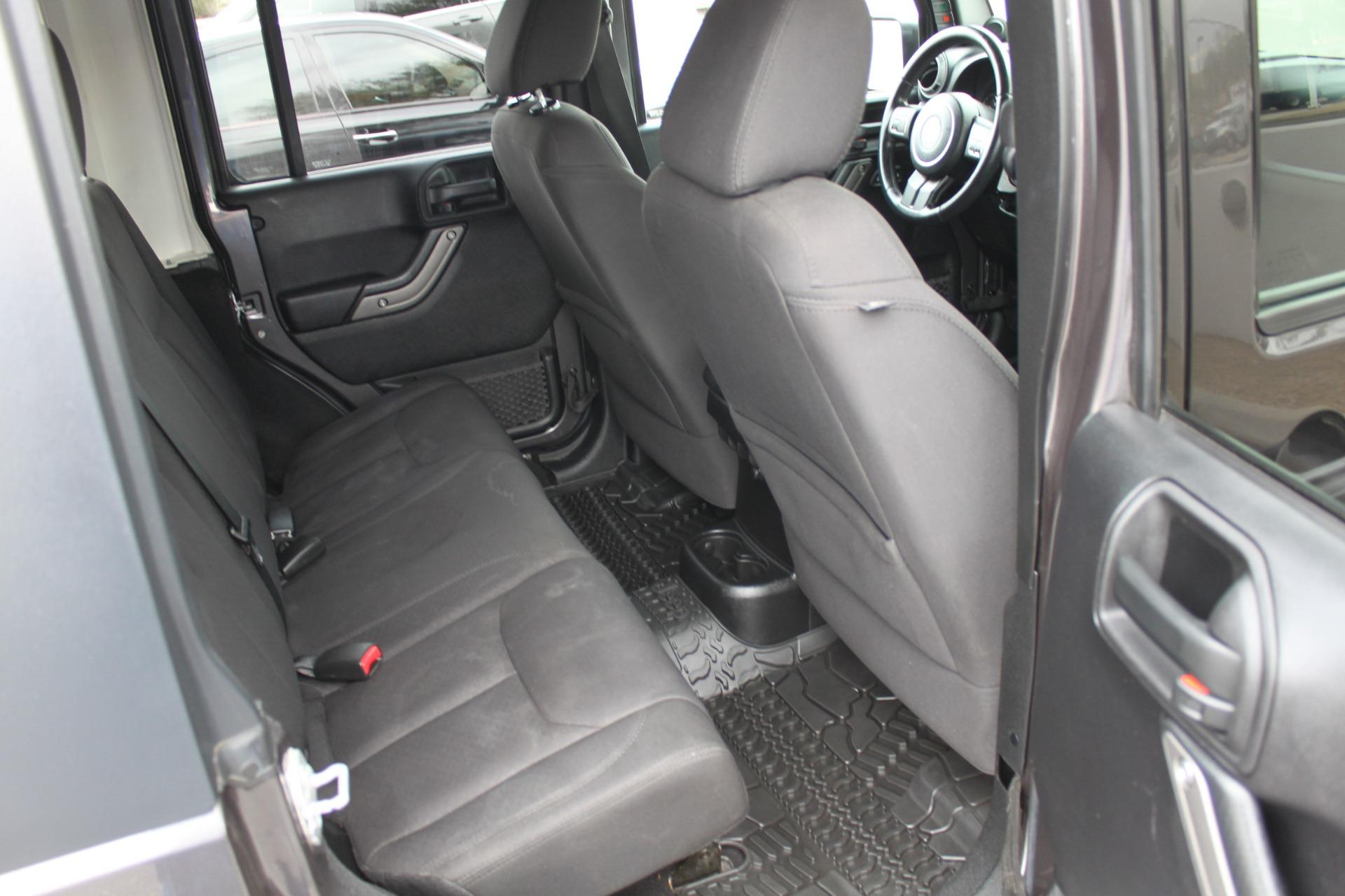 Used-2014-Jeep-Wrangler-Unlimited-Sport-4X4-Cherokee
