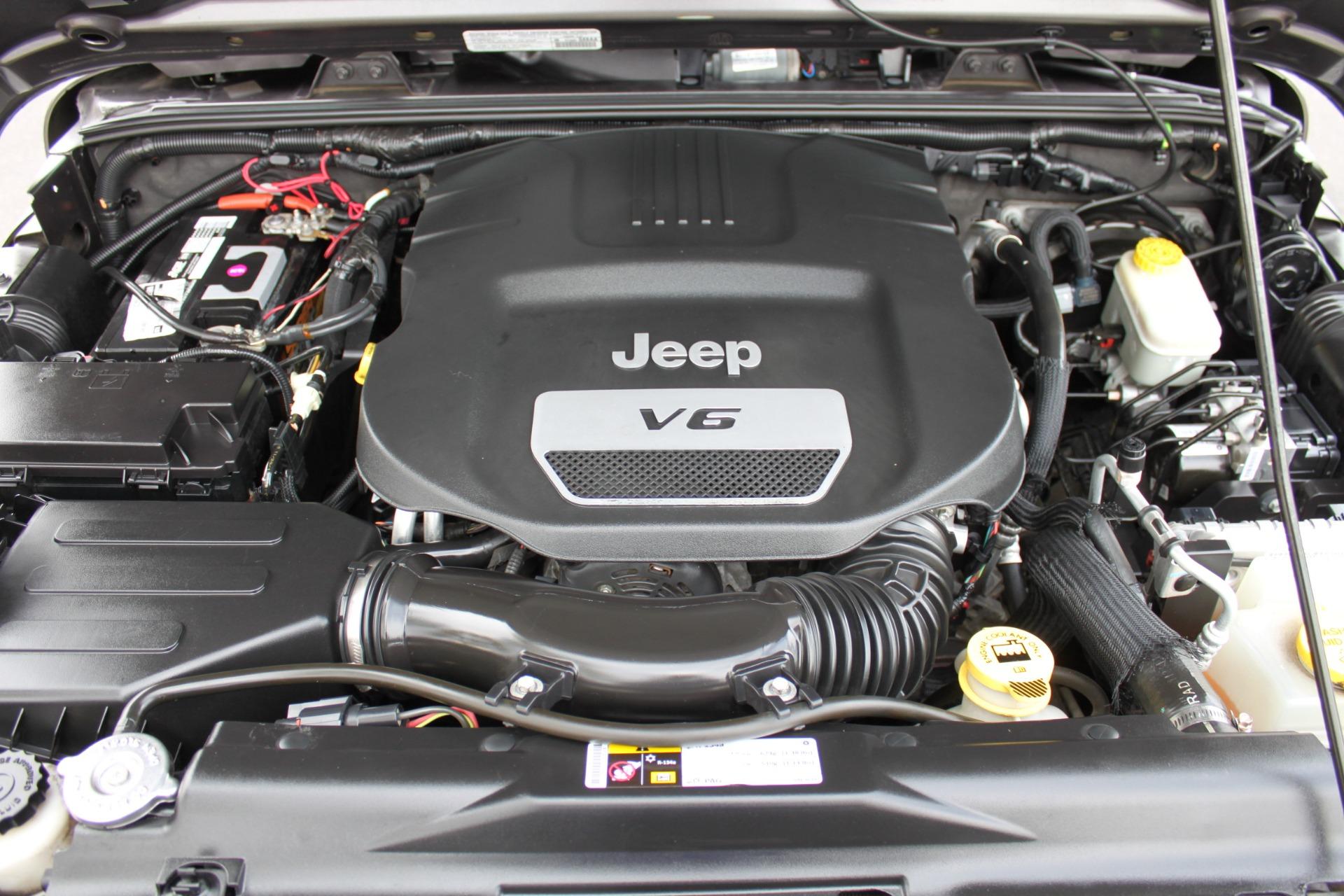Used-2014-Jeep-Wrangler-Unlimited-Sport-4X4-Lexus