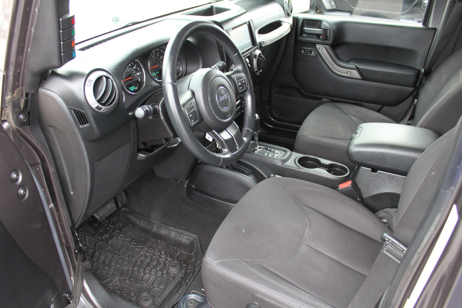 Used-2014-Jeep-Wrangler-Unlimited-Sport-4X4-Collector