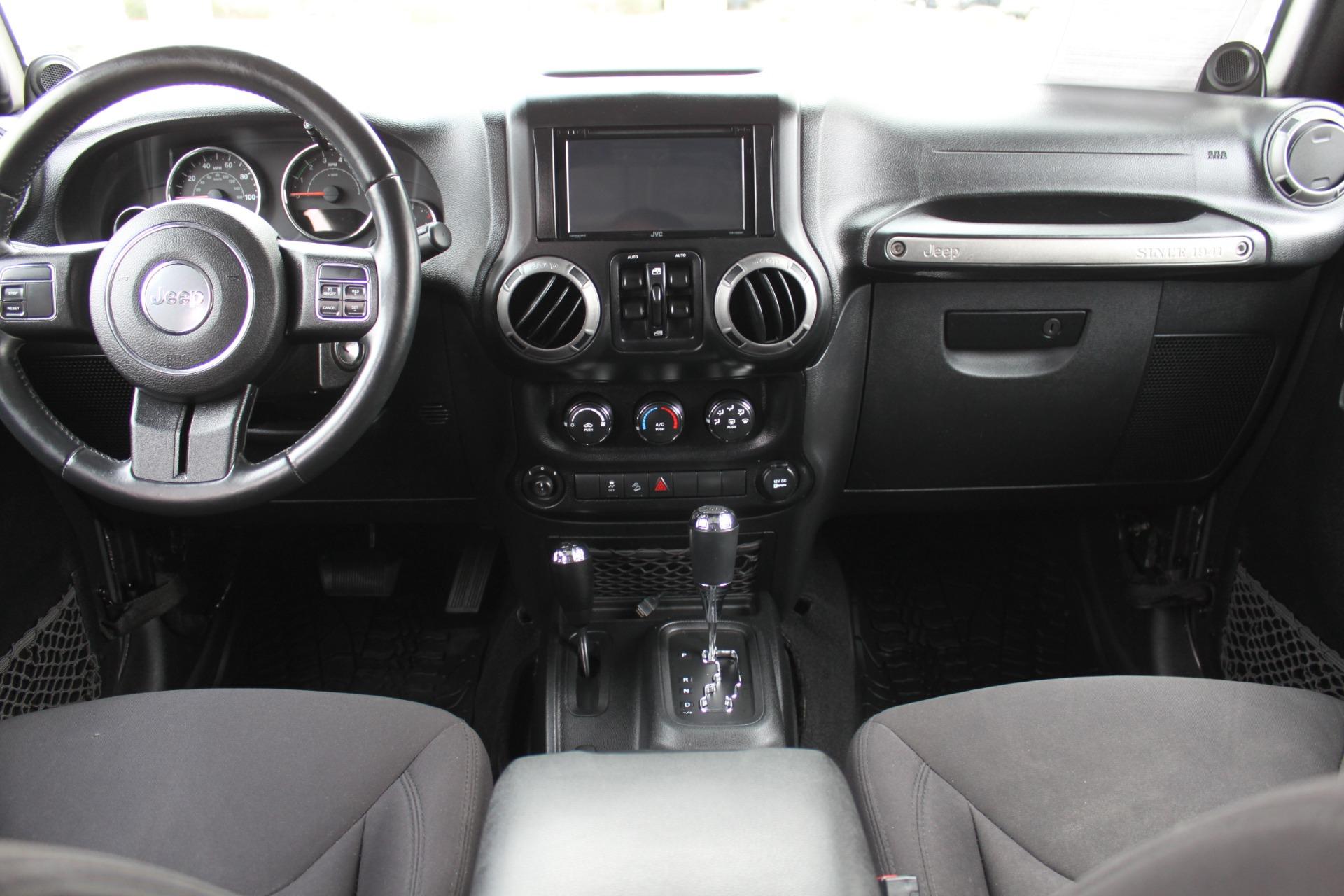 Used-2014-Jeep-Wrangler-Unlimited-Sport-4X4-vintage