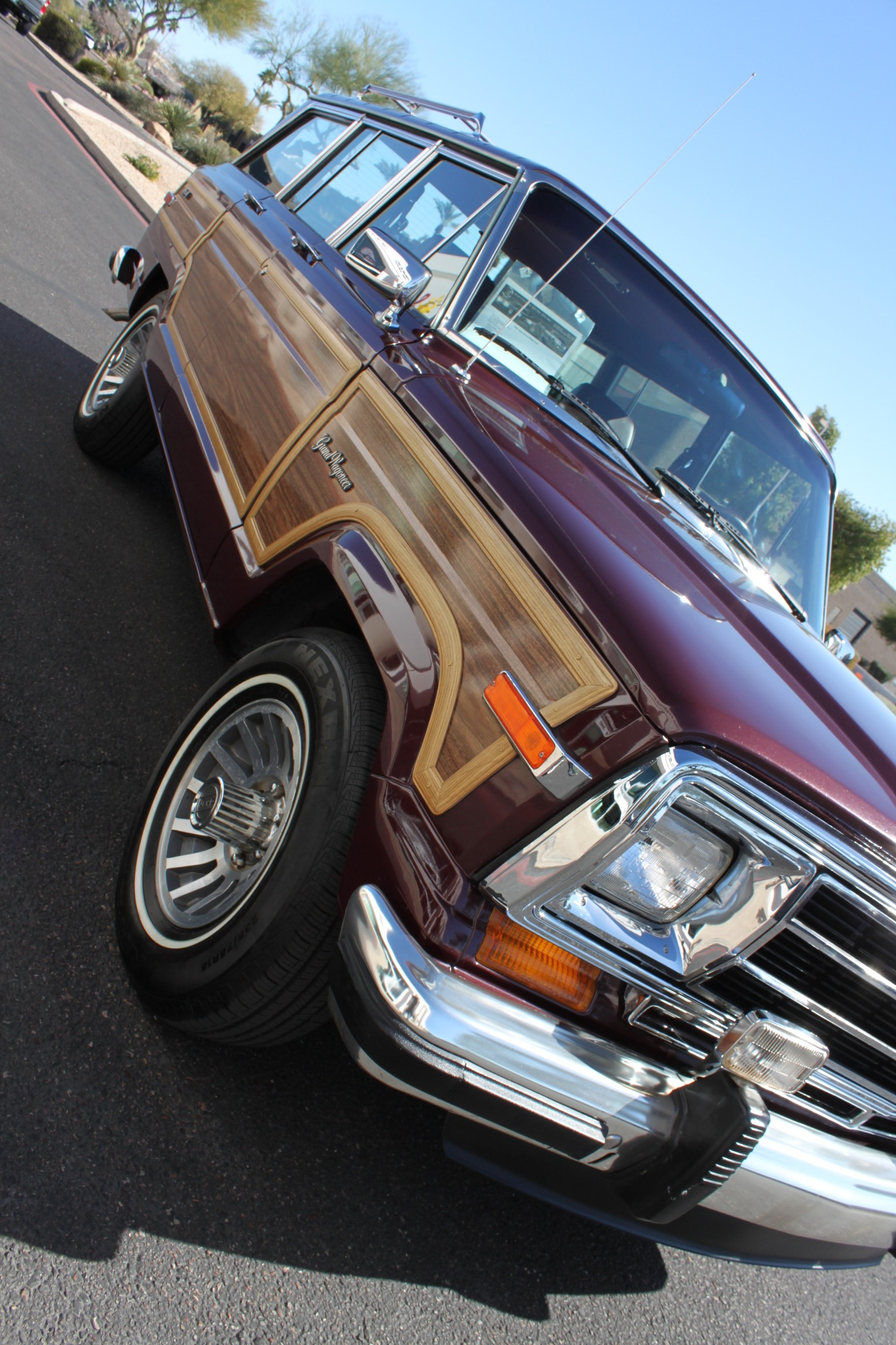 Used-1988-Jeep-Grand-Wagoneer-Cherokee