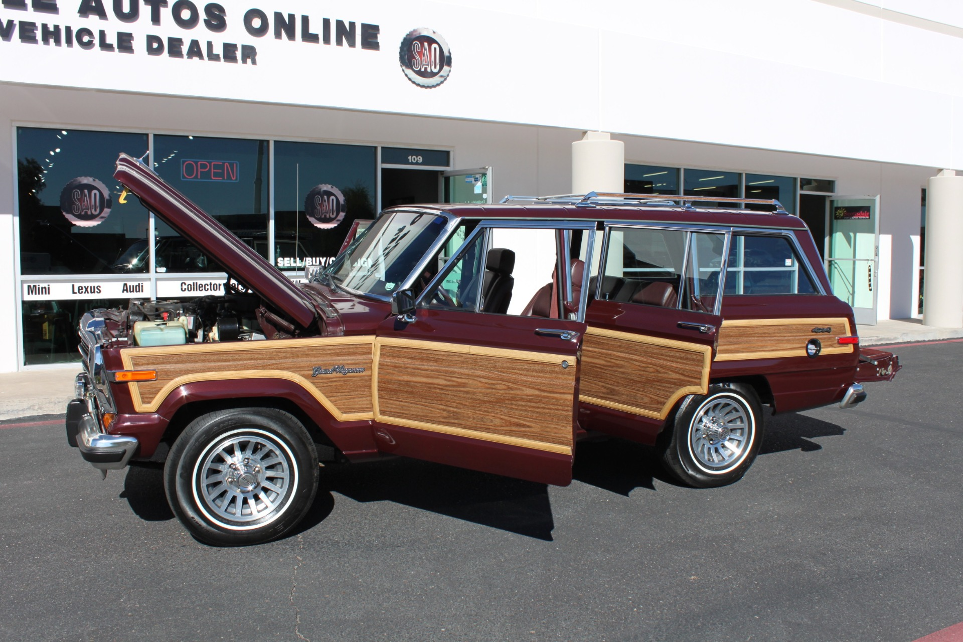 Used-1988-Jeep-Grand-Wagoneer-Chalenger