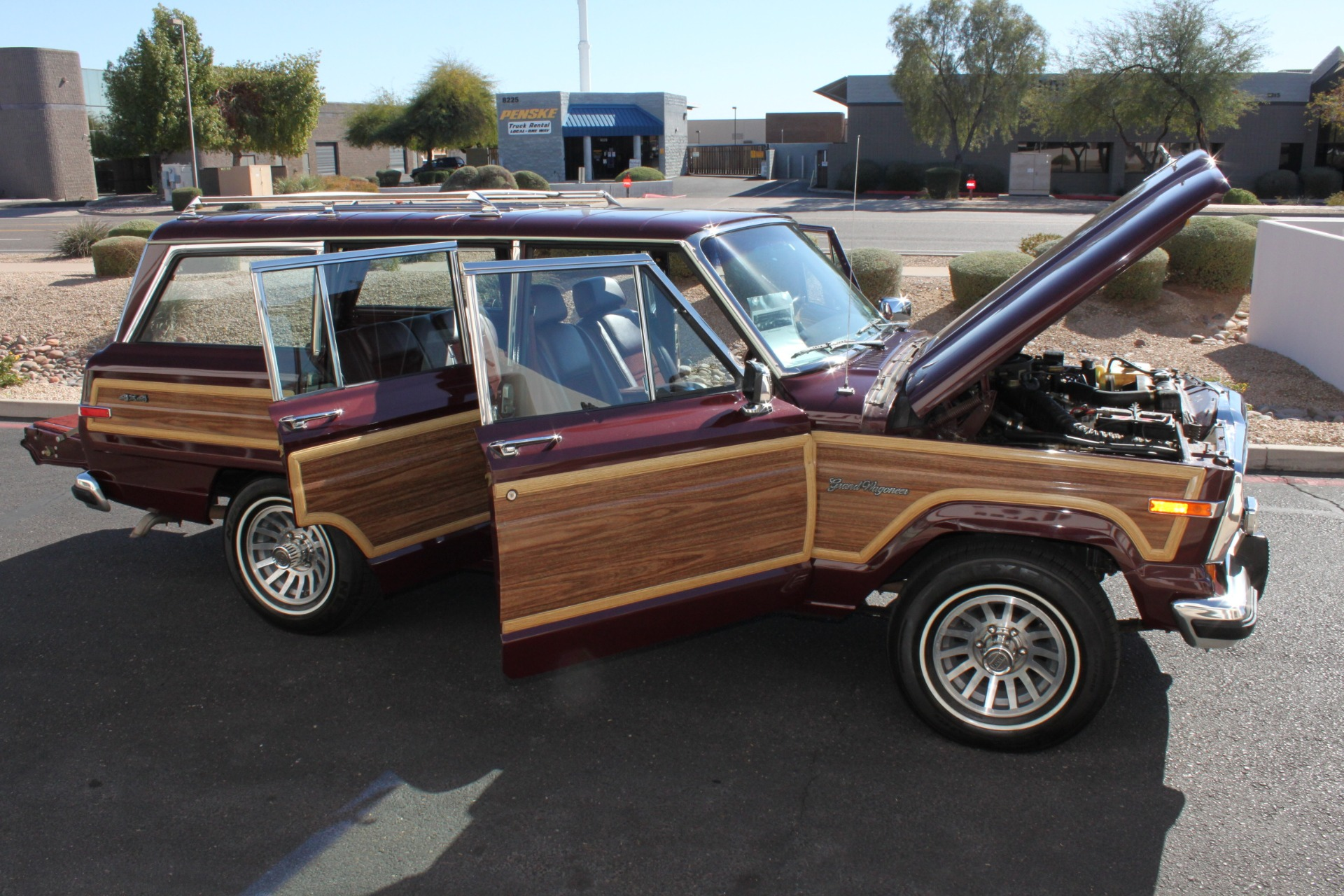 Used-1988-Jeep-Grand-Wagoneer-Chevelle