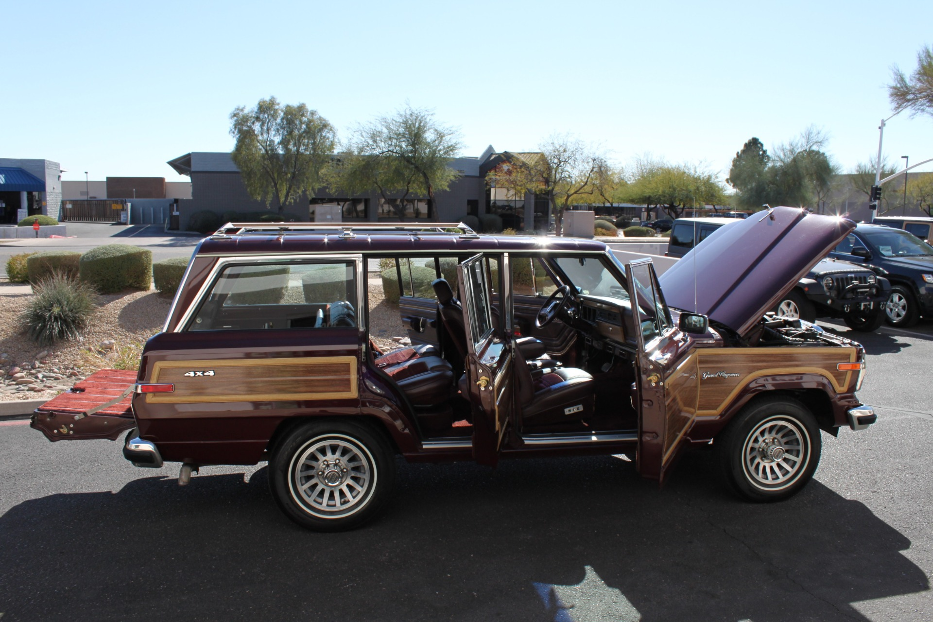 Used-1988-Jeep-Grand-Wagoneer-Fiat