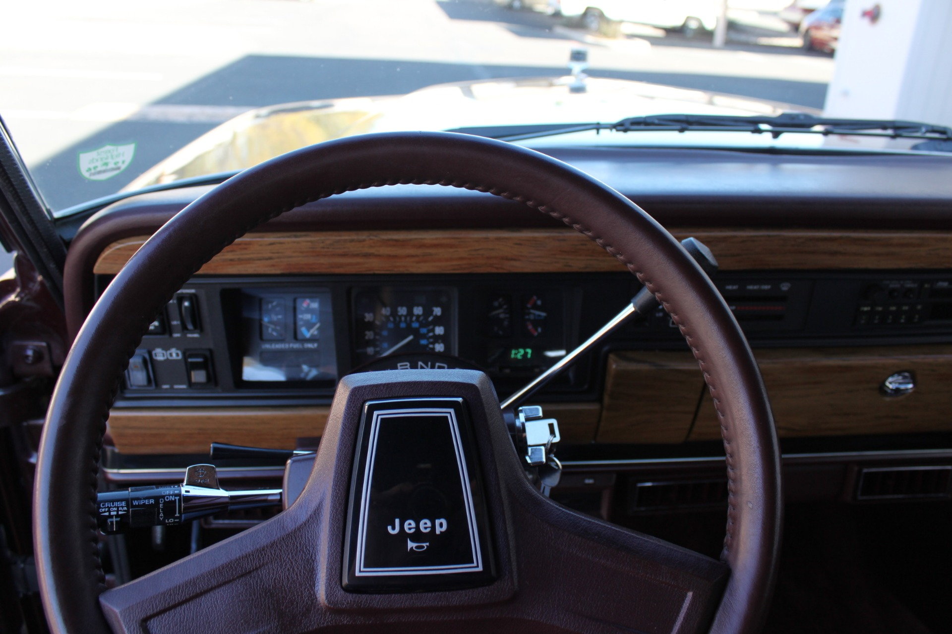 Used-1988-Jeep-Grand-Wagoneer-Collector