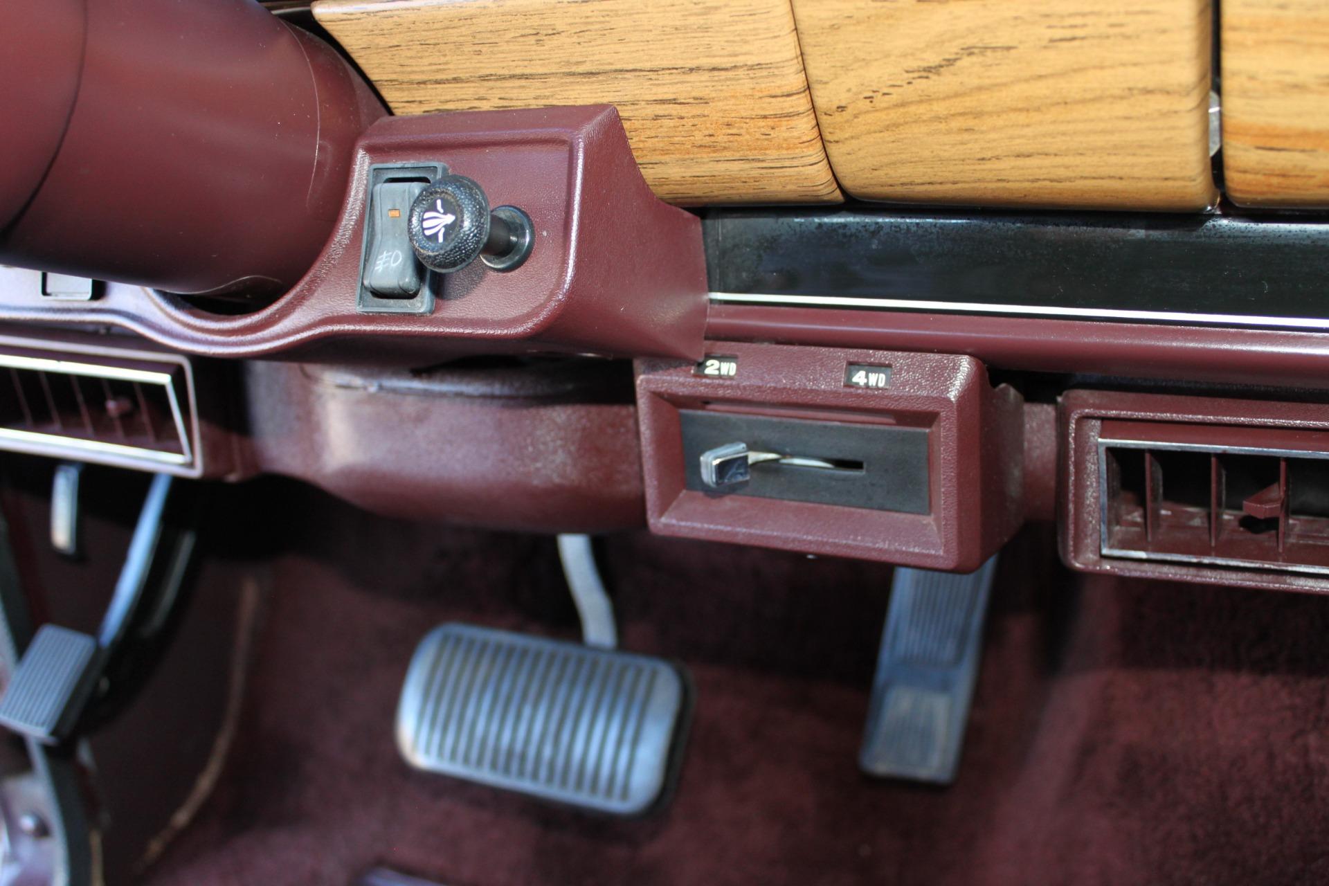 Used-1988-Jeep-Grand-Wagoneer-4X4