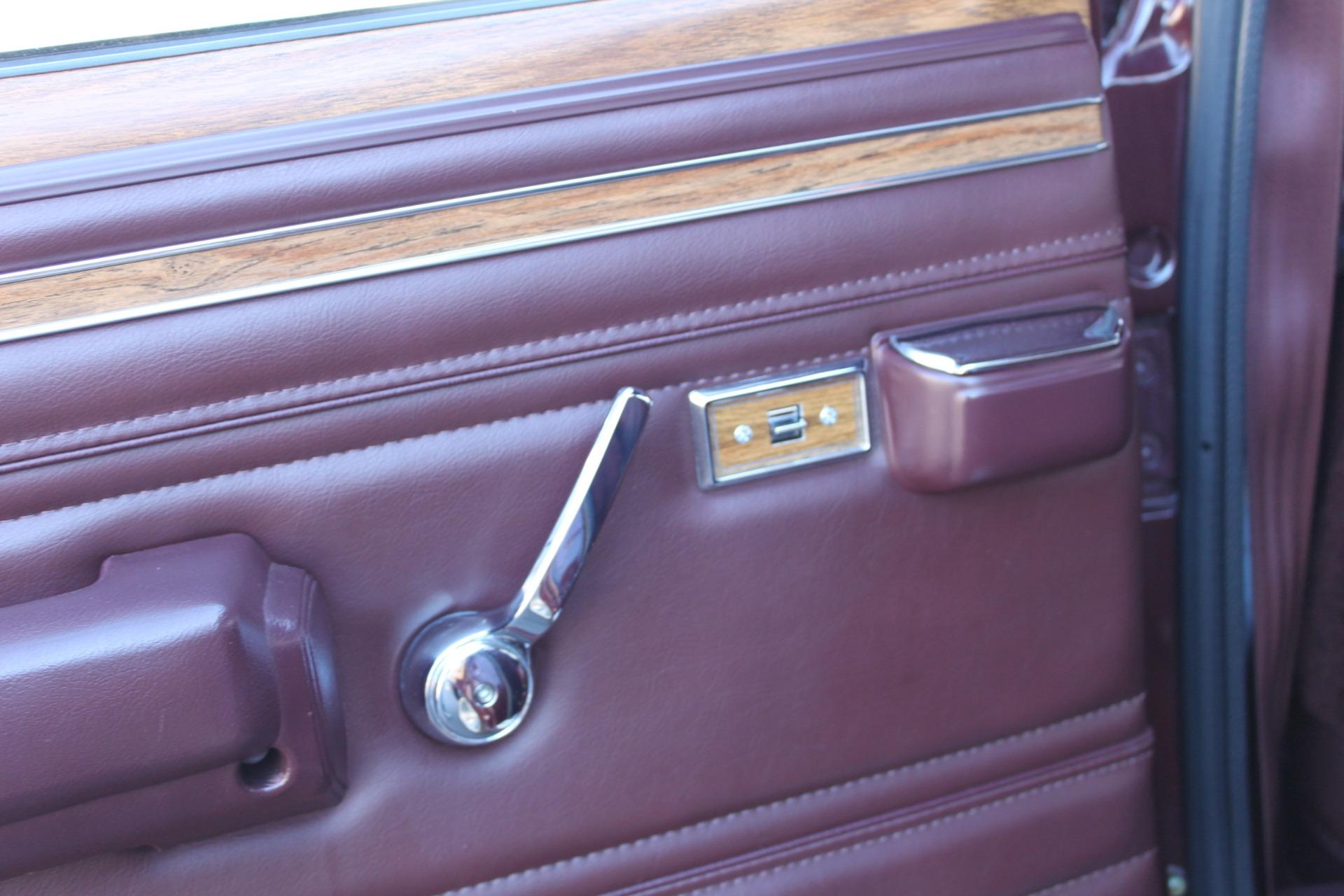 Used-1988-Jeep-Grand-Wagoneer-Alfa-Romeo