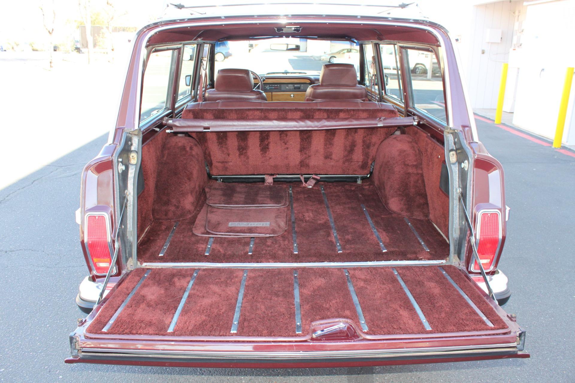Used-1988-Jeep-Grand-Wagoneer-Jaguar