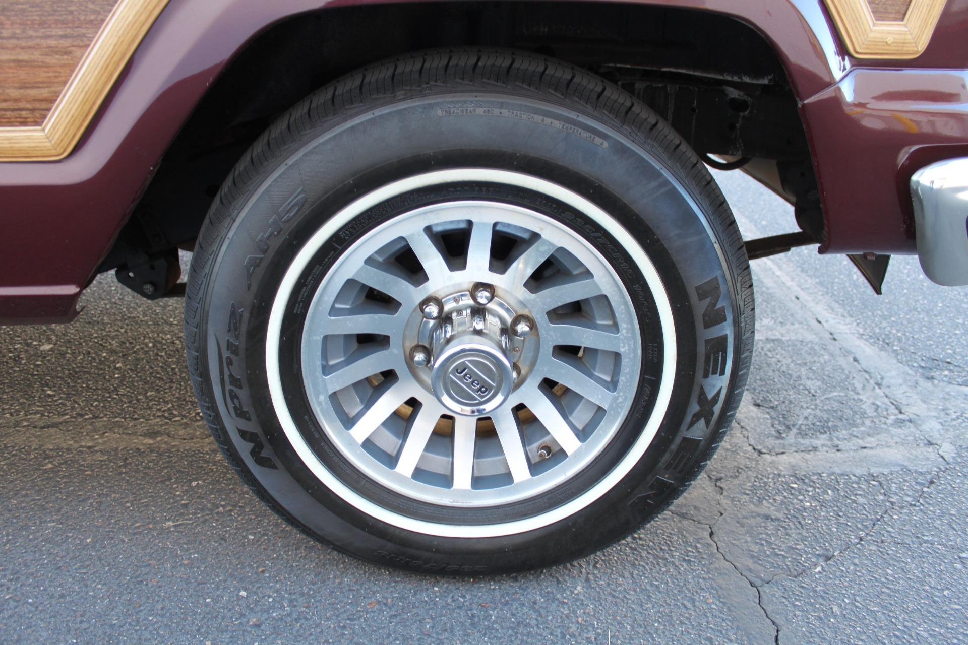 Used-1988-Jeep-Grand-Wagoneer-Grand-Cherokee