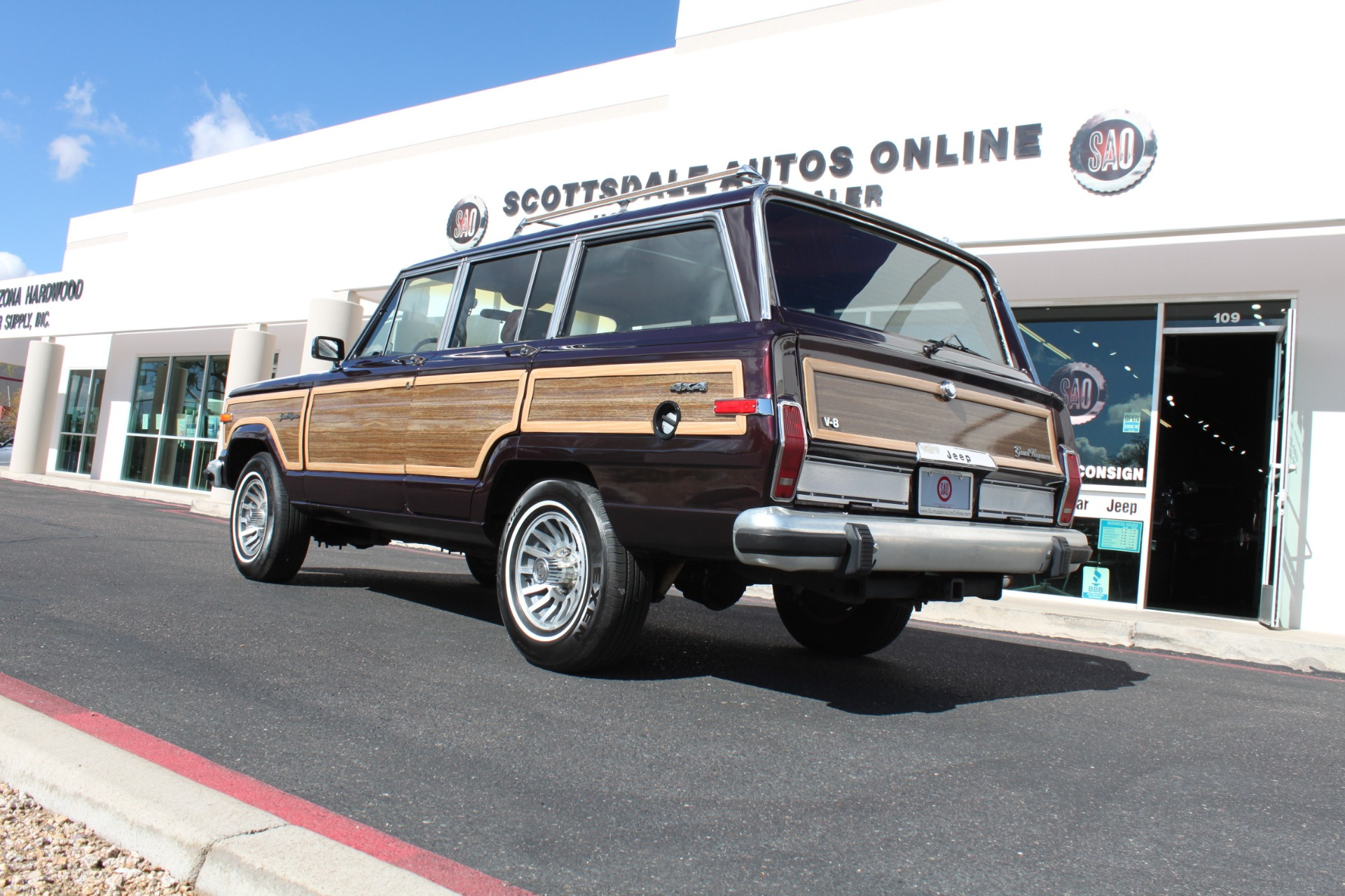 Used-1989-Jeep-Grand-Wagoneer-Chevelle