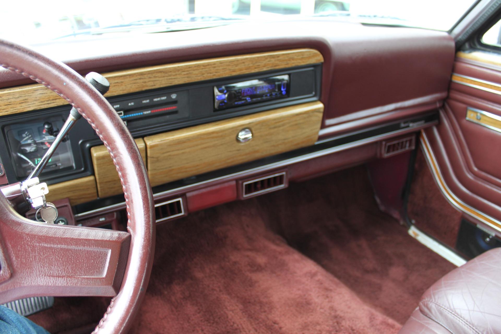 Used-1989-Jeep-Grand-Wagoneer-Lincoln