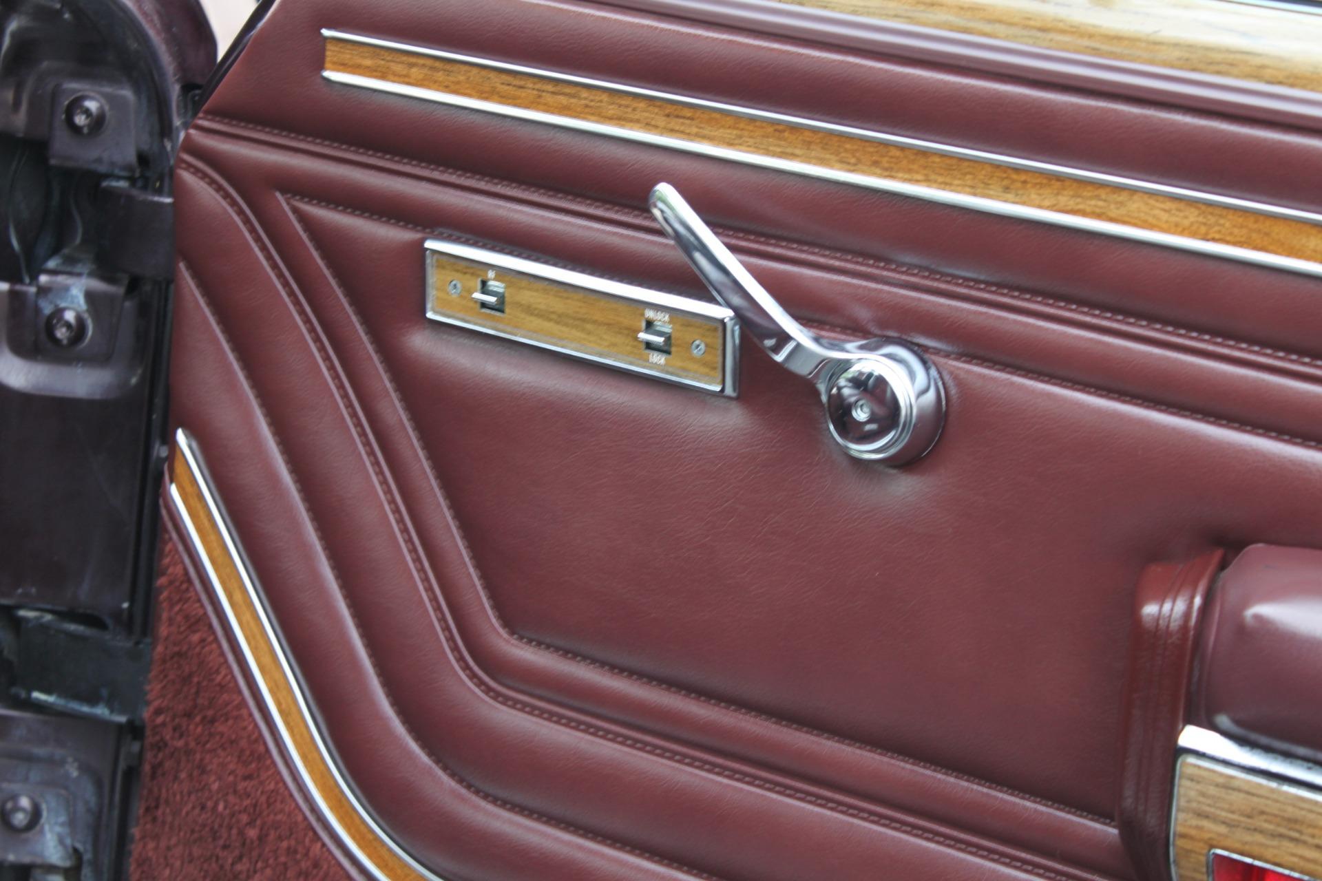 Used-1989-Jeep-Grand-Wagoneer-Classic