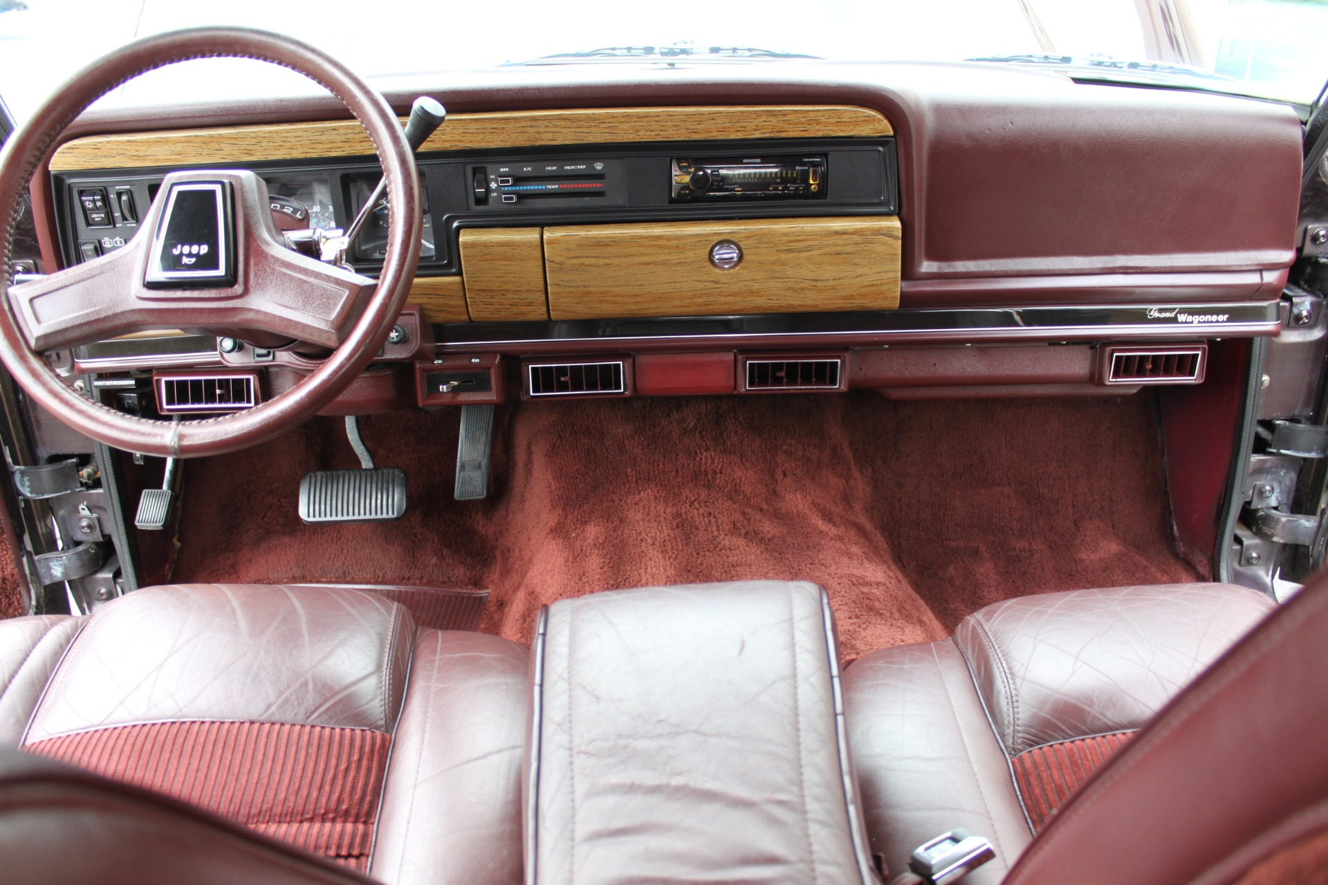 Used-1989-Jeep-Grand-Wagoneer-Collector