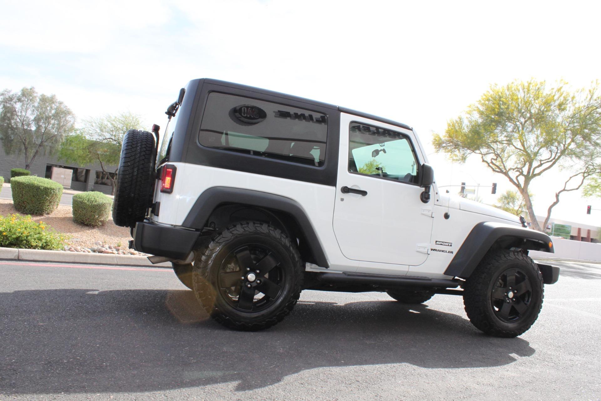Used-2012-Jeep-Wrangler-Freedom-Edition-4X4-Fiat