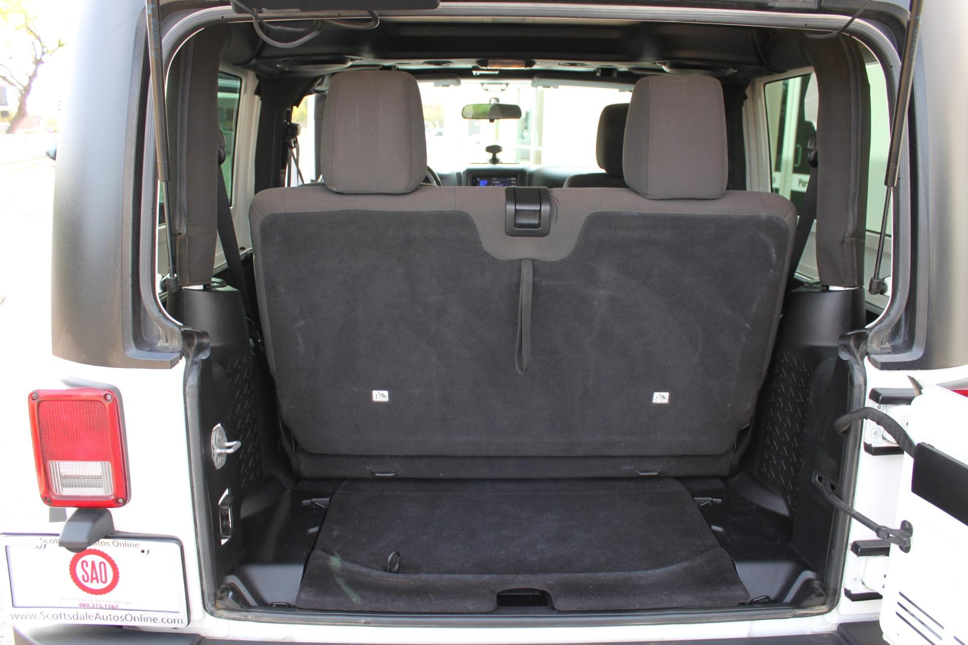 Used-2012-Jeep-Wrangler-Freedom-Edition-4X4-Classic