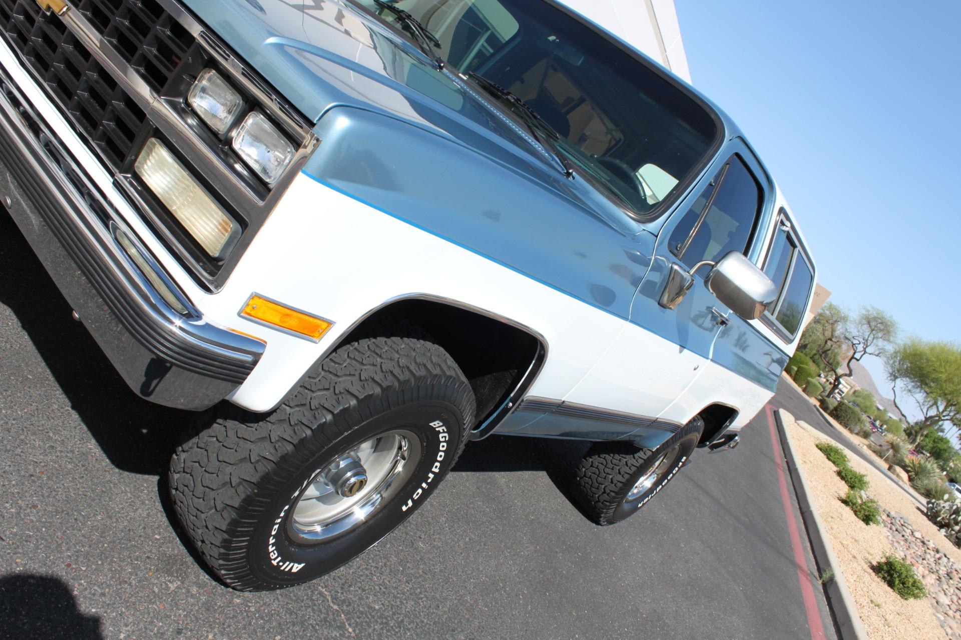 Used-1989-Chevrolet-K5-Blazer-4X4-Grand-Cherokee