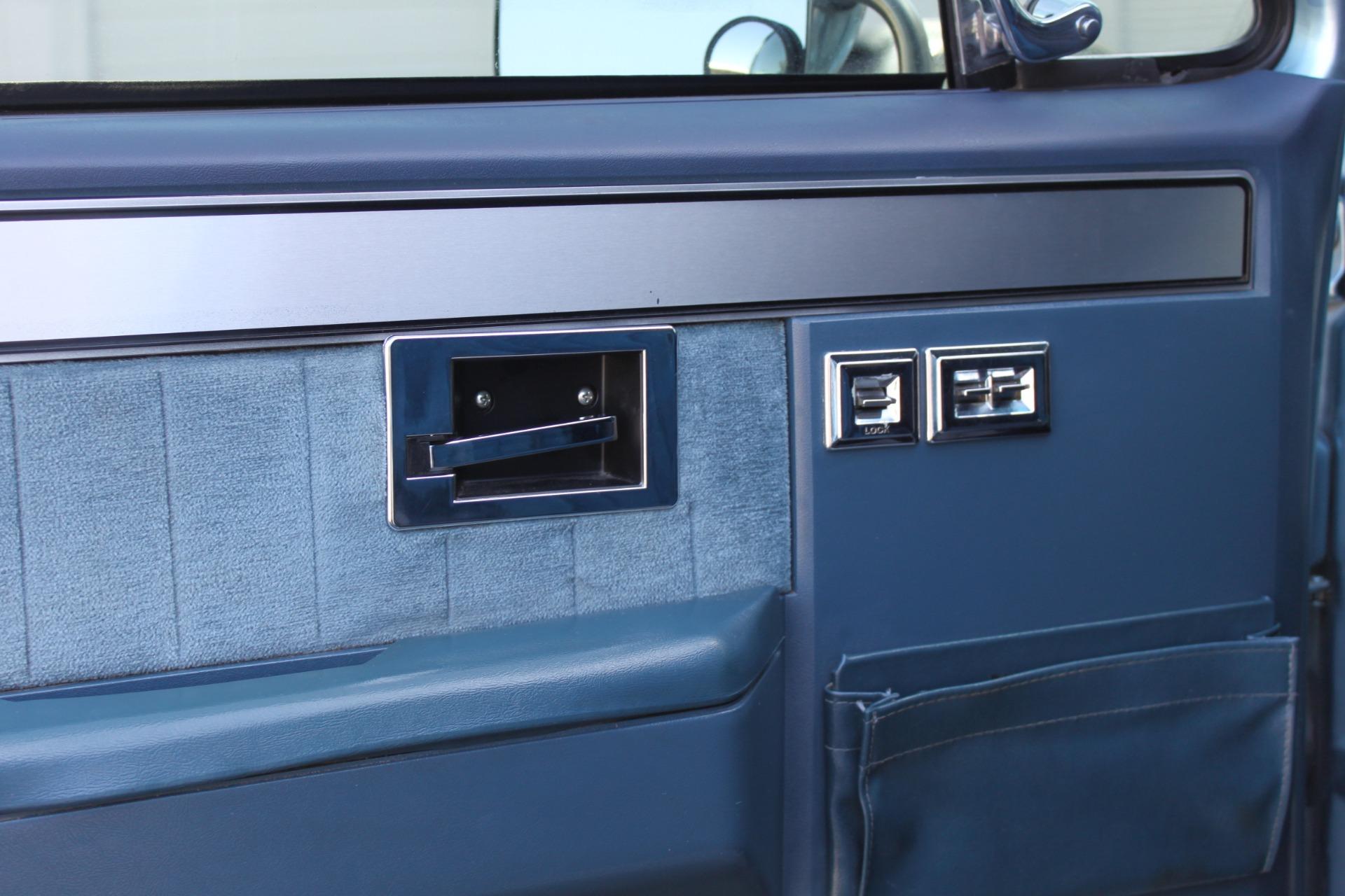 Used-1989-Chevrolet-K5-Blazer-4X4-Ferrari