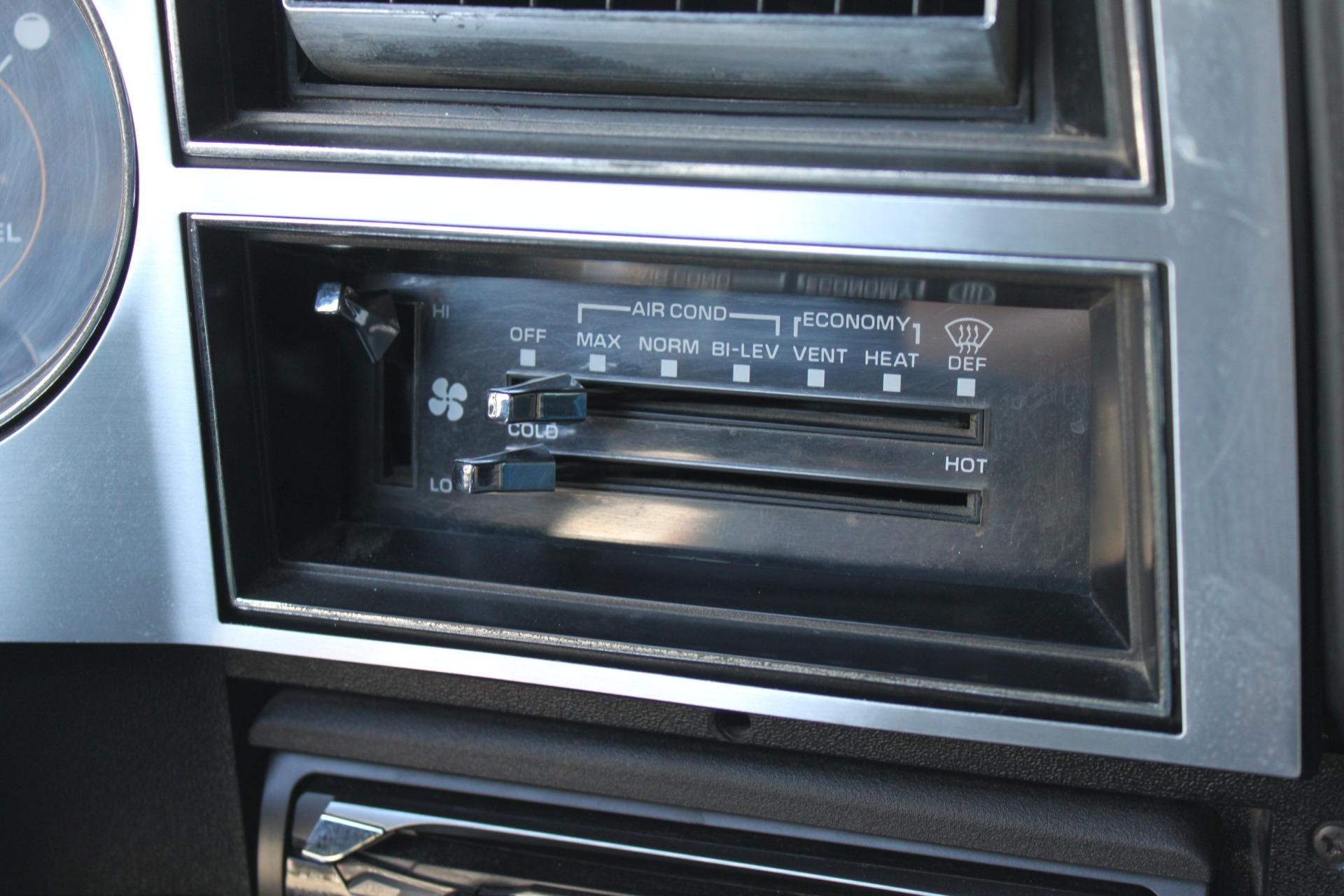 Used-1989-Chevrolet-K5-Blazer-4X4-Jeep
