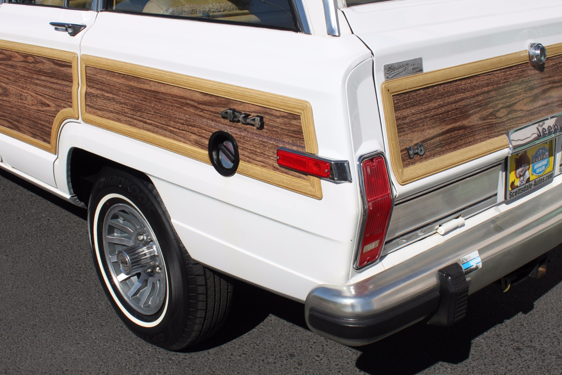 Used-1988-Jeep-Grand-Wagoneer-Limited-4X4-Chevelle