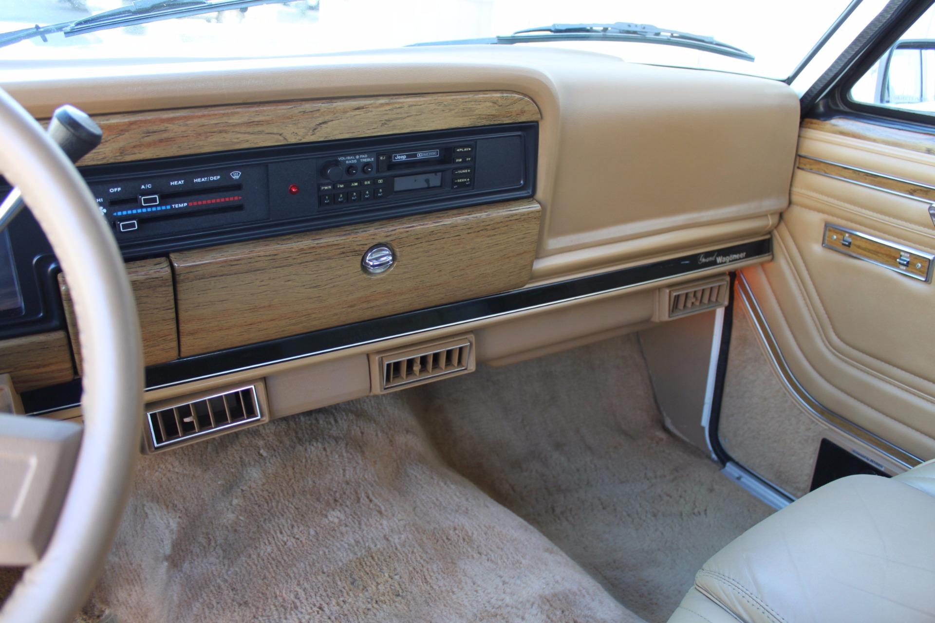 Used-1988-Jeep-Grand-Wagoneer-Limited-4X4-vintage