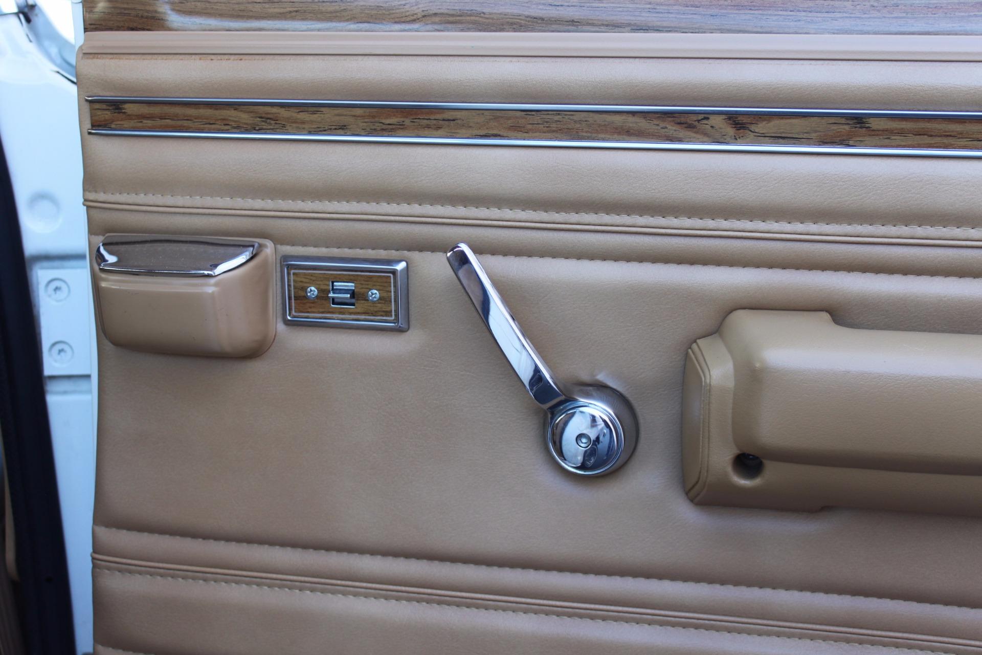 Used-1988-Jeep-Grand-Wagoneer-Limited-4X4-Alfa-Romeo