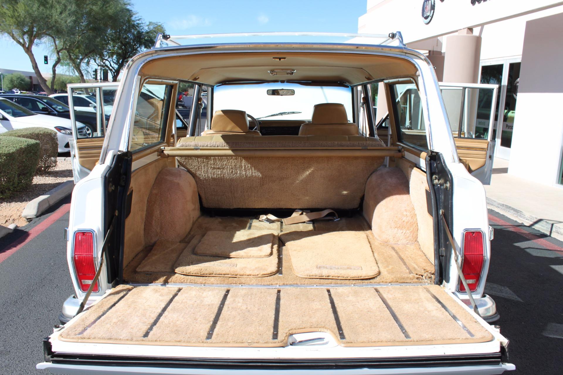 Used-1988-Jeep-Grand-Wagoneer-Limited-4X4-Mini