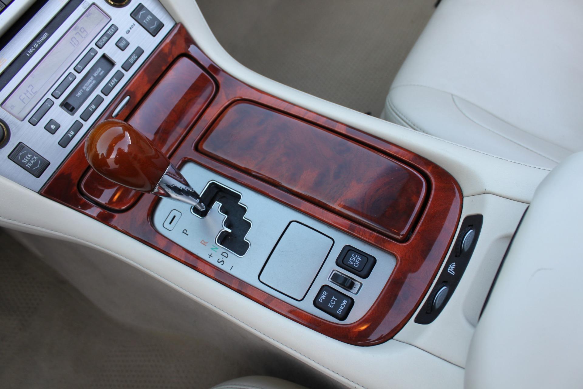 Used-2006-Lexus-SC-430-Camaro