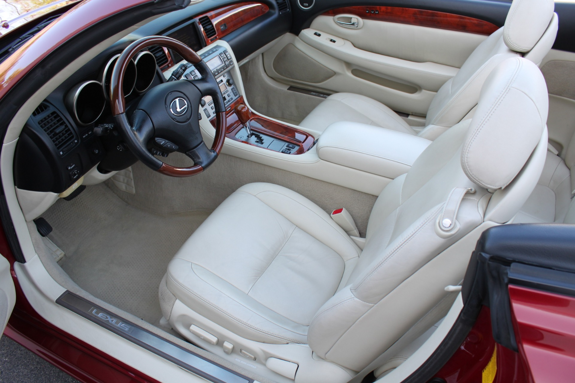 Used-2006-Lexus-SC-430-Collector