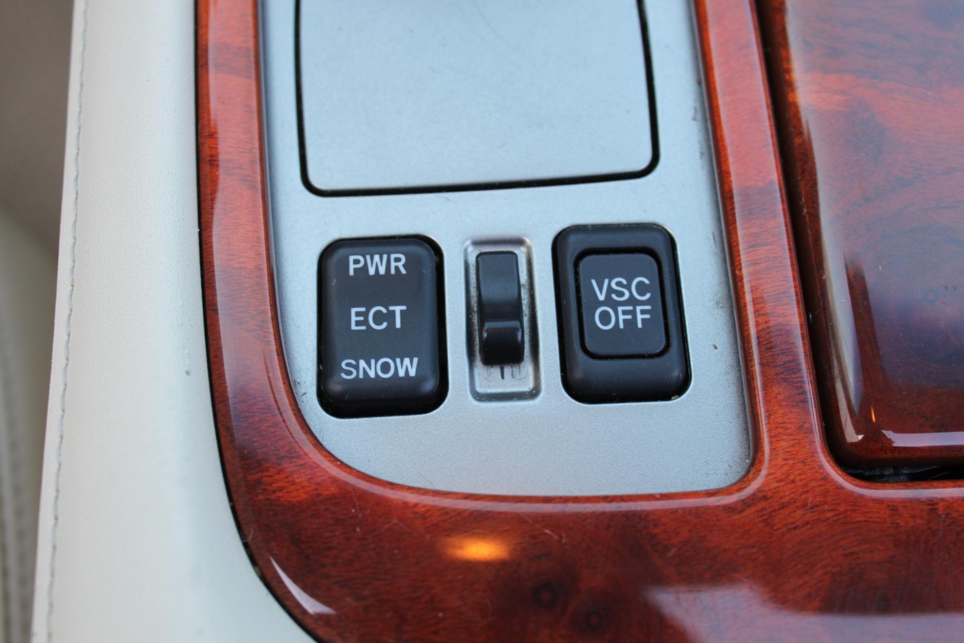 Used-2006-Lexus-SC-430-Chalenger