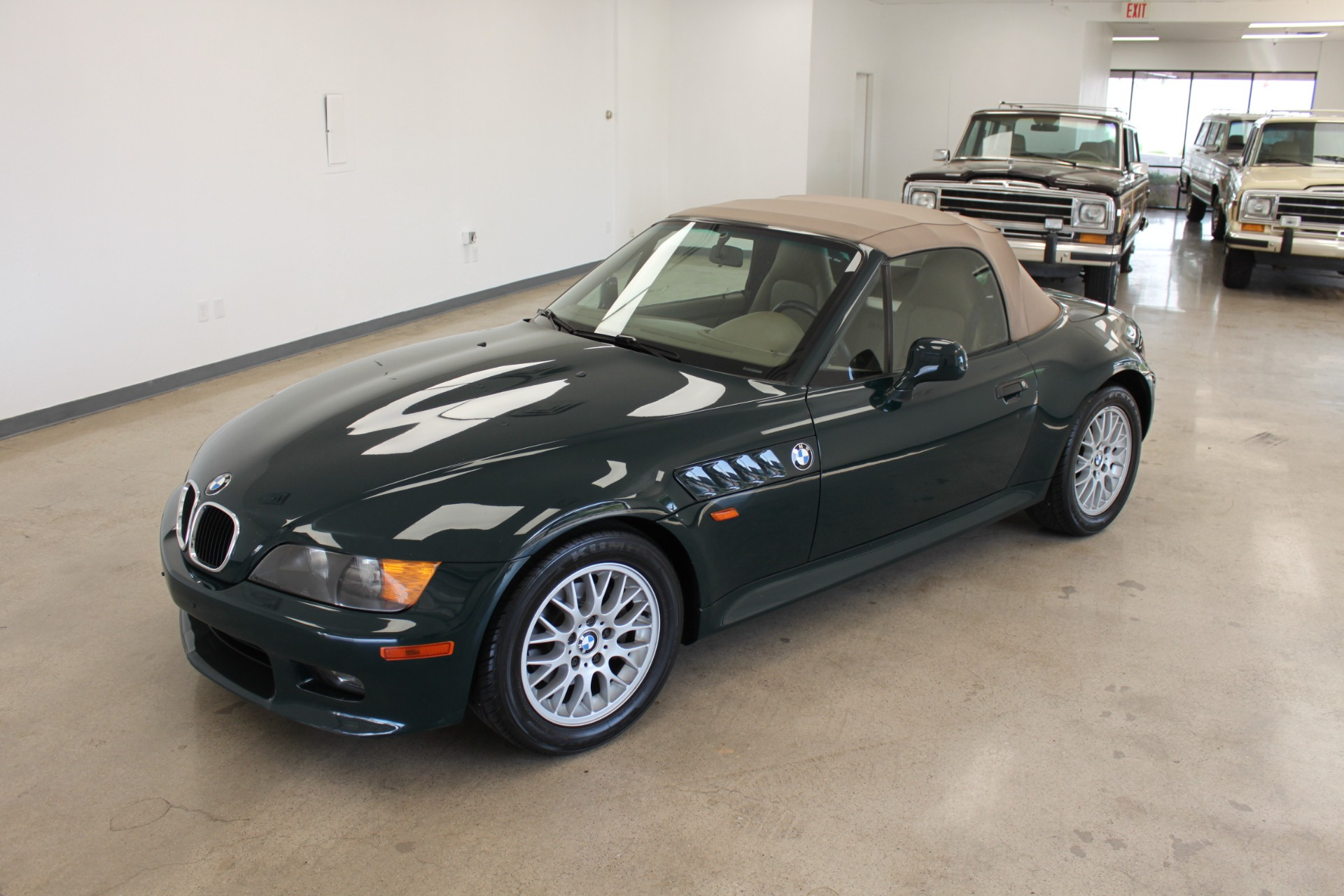 Used-1999-BMW-Z3-25L-Cherokee