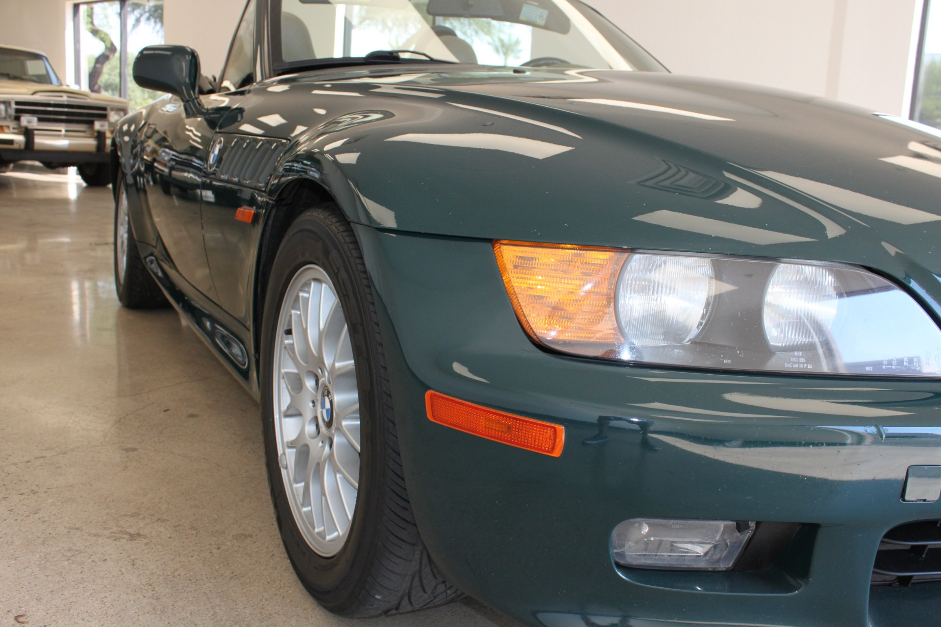 Used-1999-BMW-Z3-25L-Chevelle