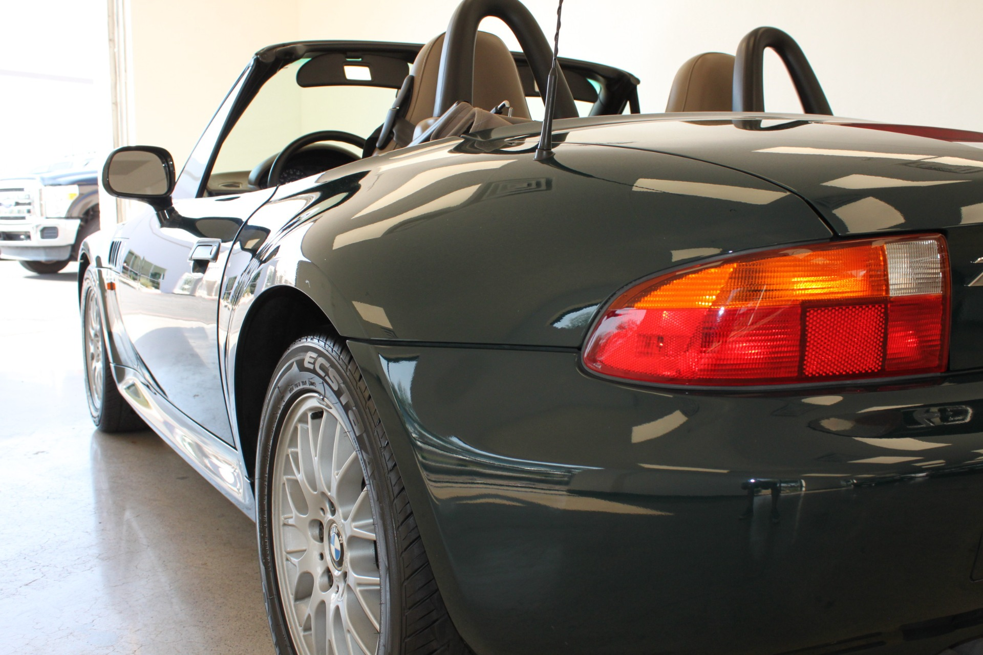 Used-1999-BMW-Z3-25L-LS430