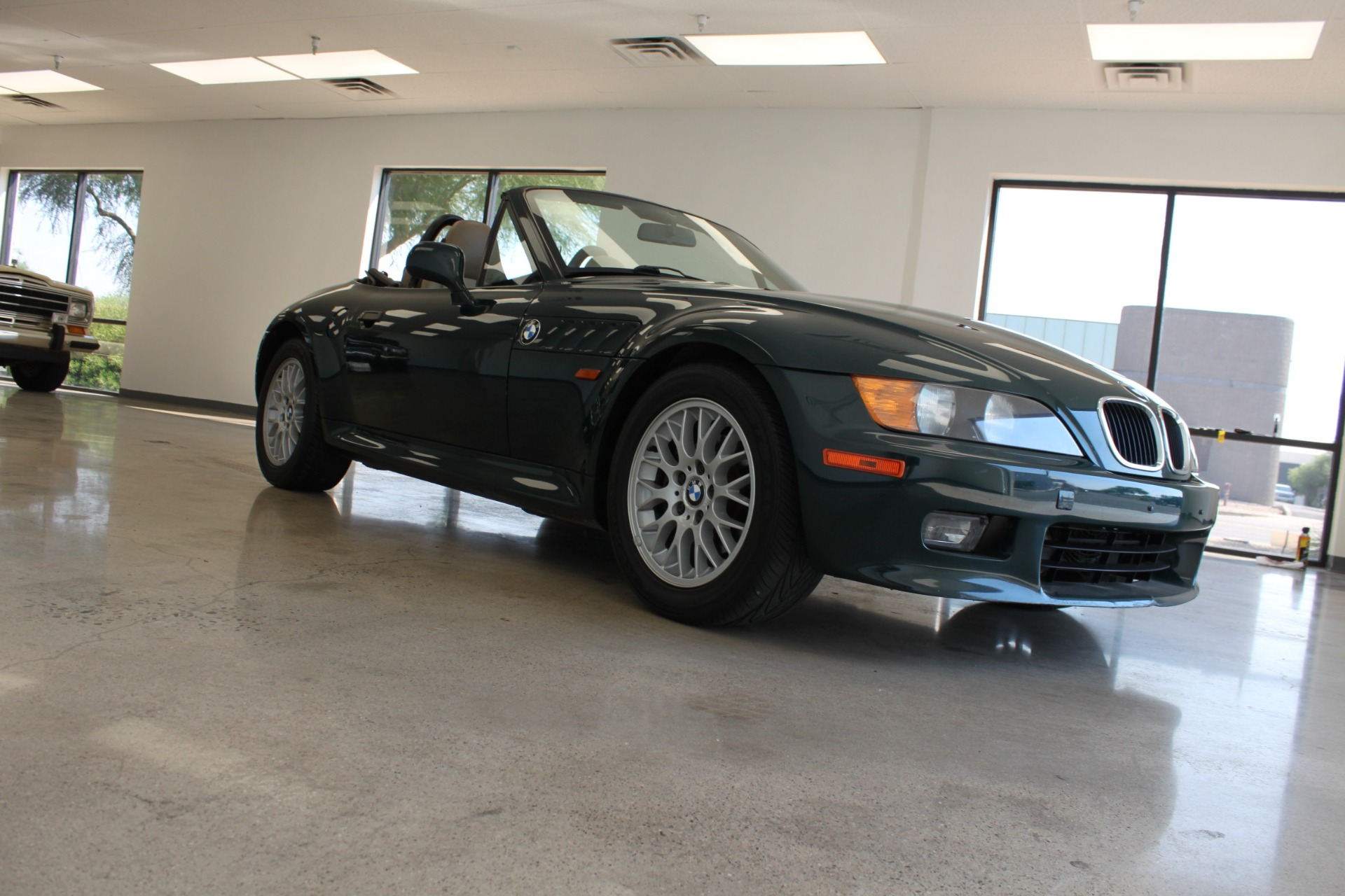 Used-1999-BMW-Z3-25L-Lincoln