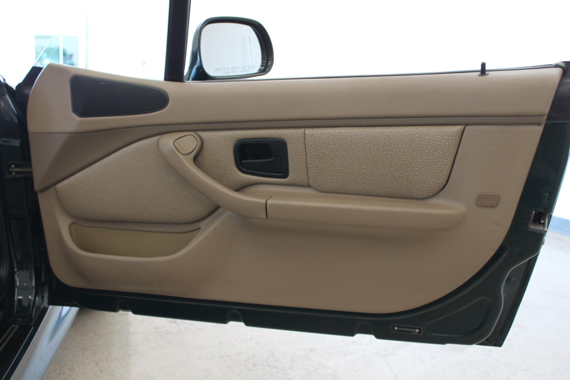 Used-1999-BMW-Z3-25L-Grand-Cherokee