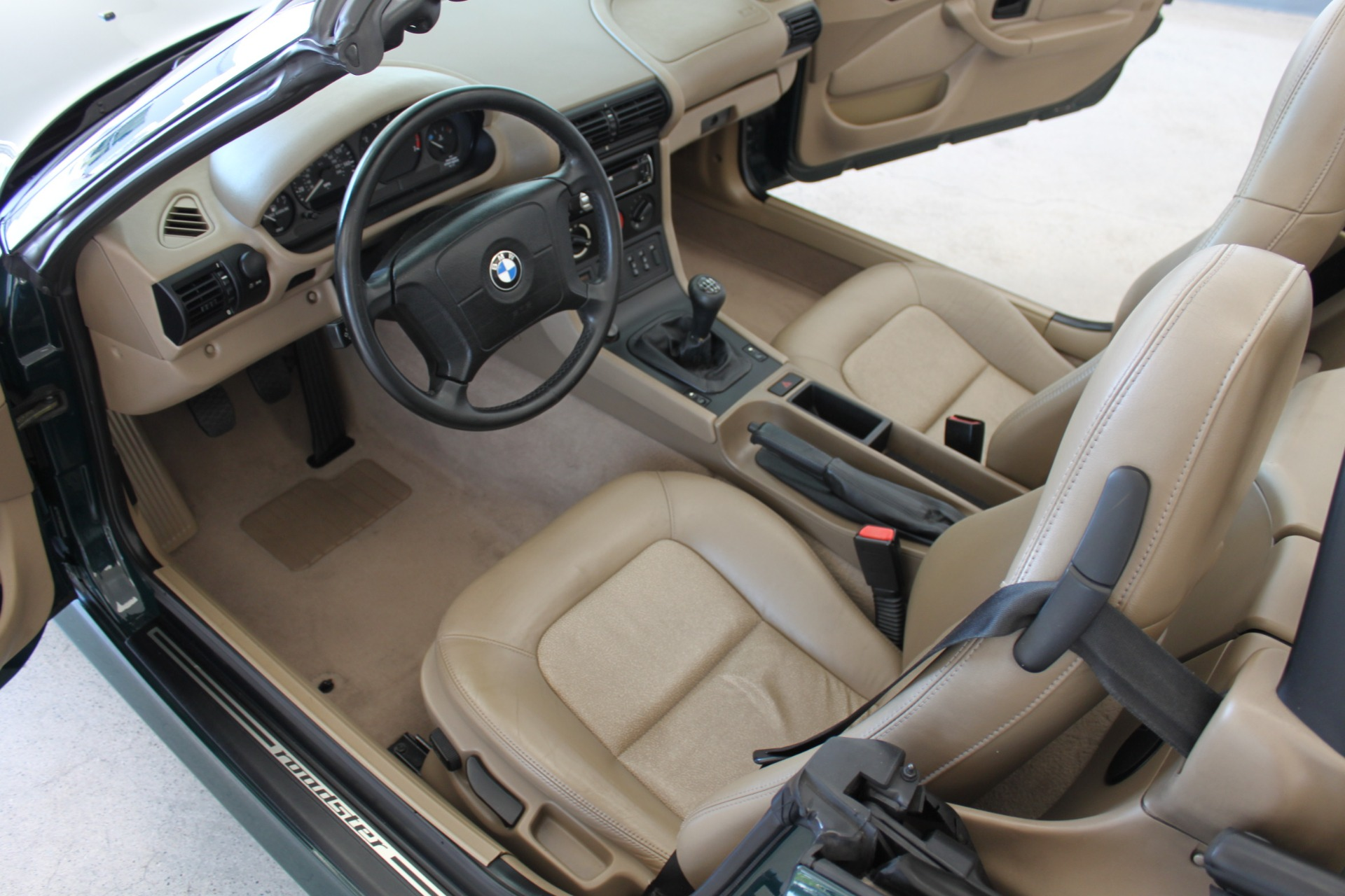Used-1999-BMW-Z3-25L-Collector
