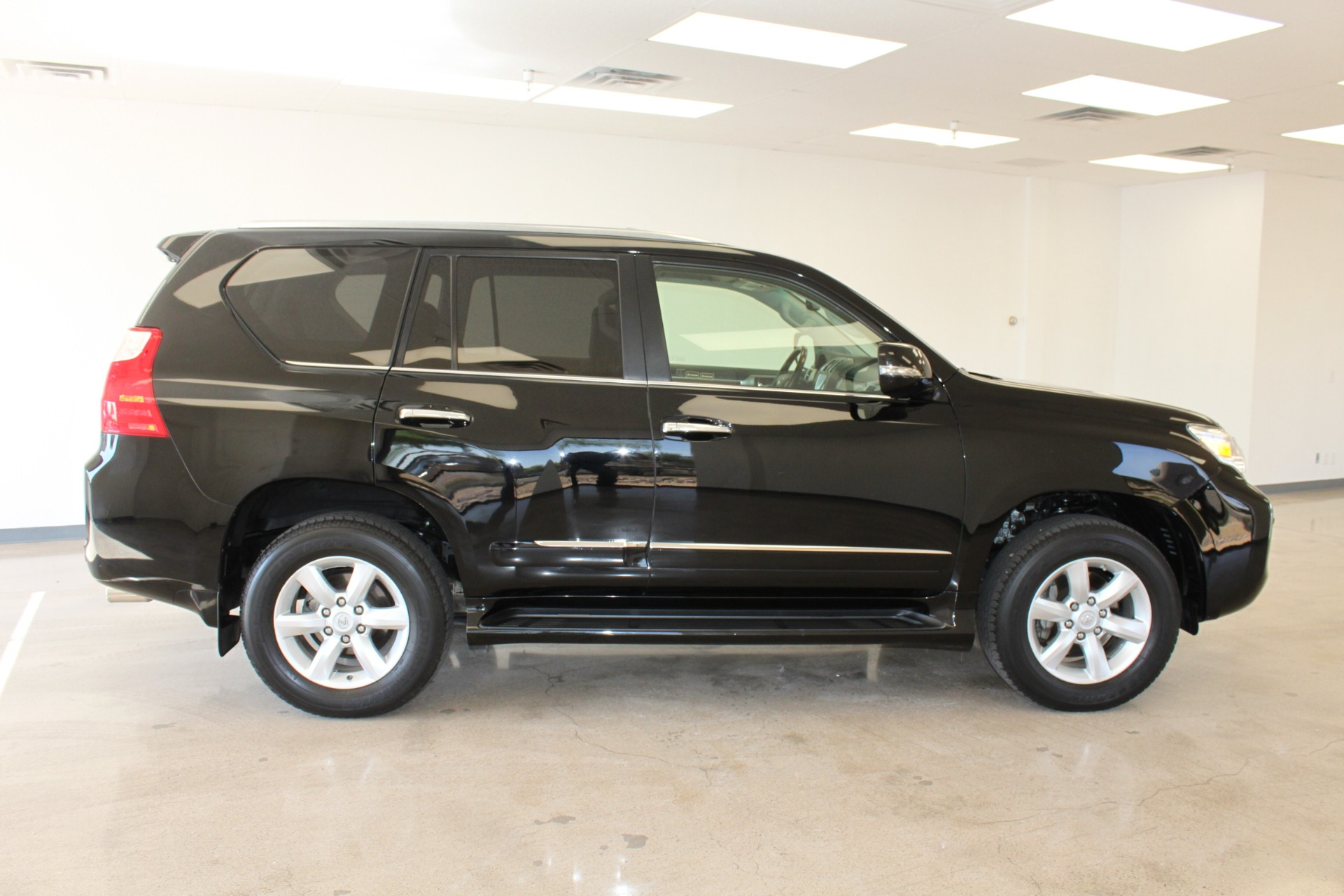 Used-2013-Lexus-GX-460-4X4-Chrysler