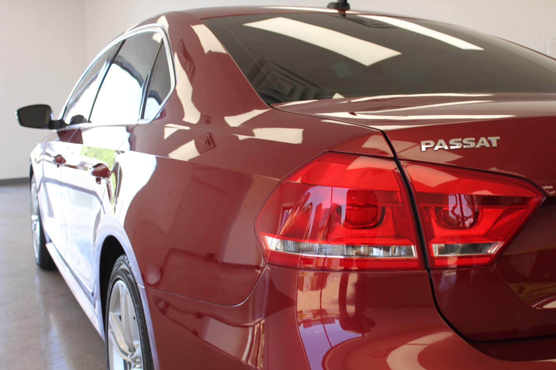 Used-2015-Volkswagen-Passat-18T-SE-w/Sunroof---Nav-Camaro