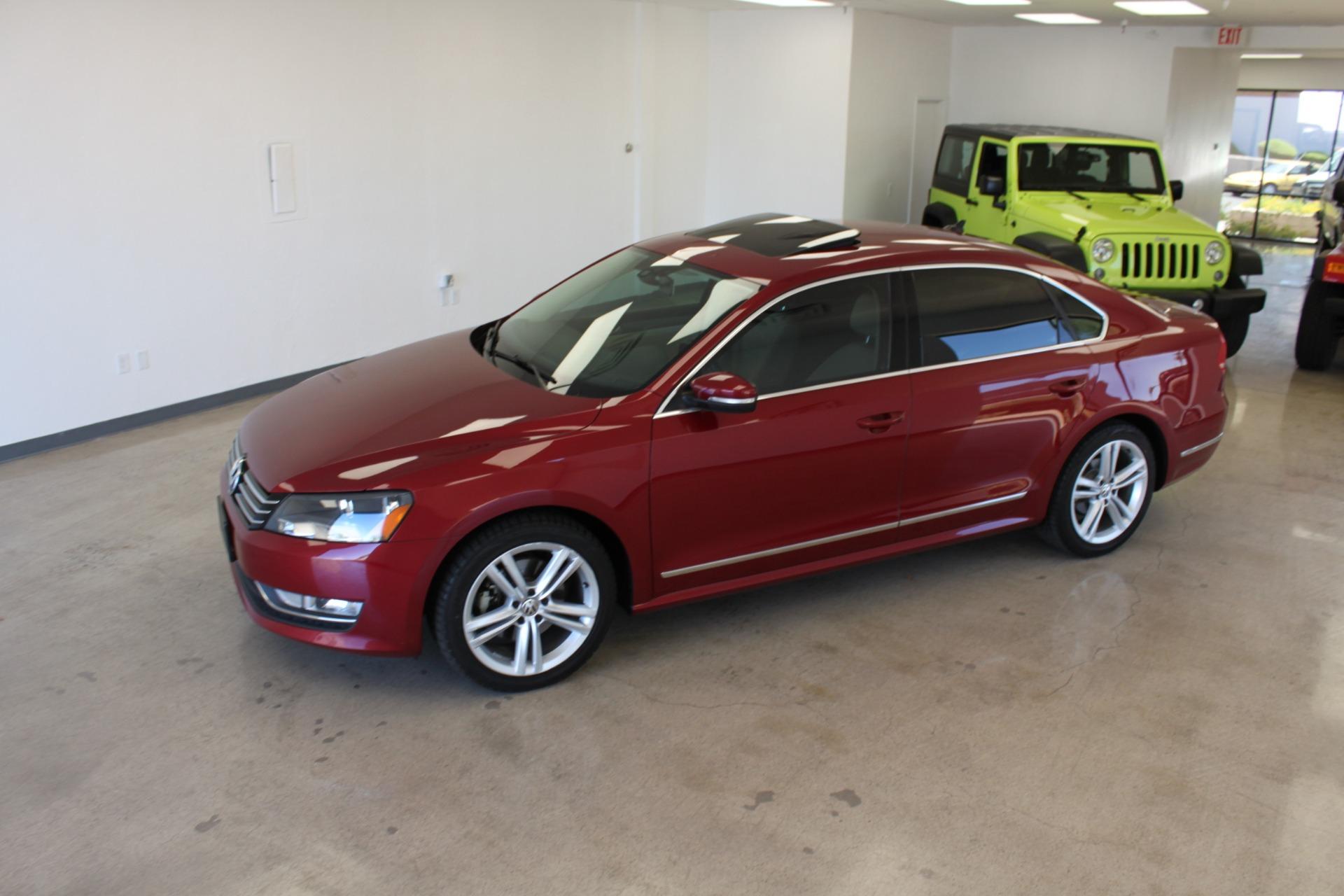 Used-2015-Volkswagen-Passat-18T-SE-w/Sunroof---Nav-Chalenger