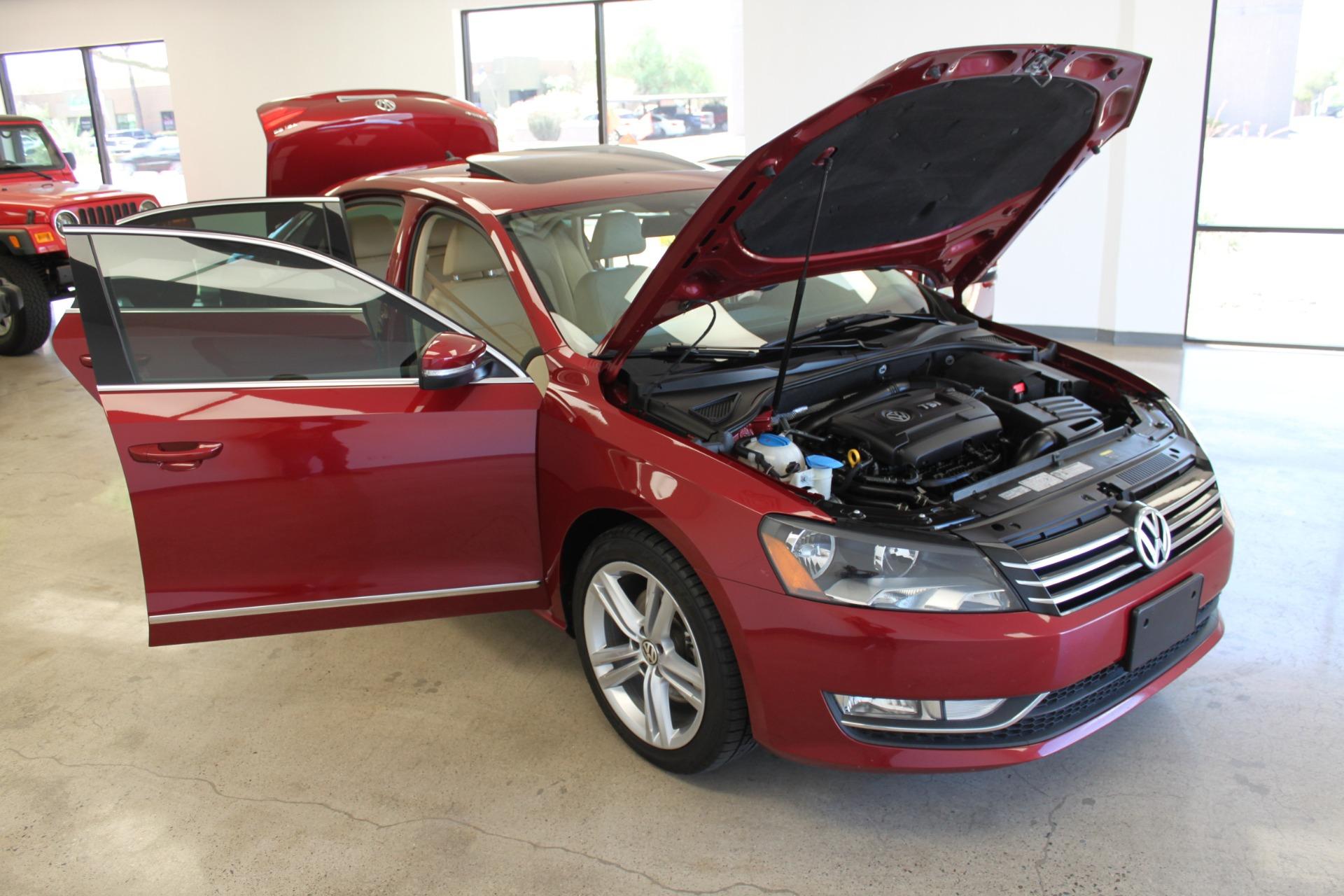 Used-2015-Volkswagen-Passat-18T-SE-w/Sunroof---Nav-Ford