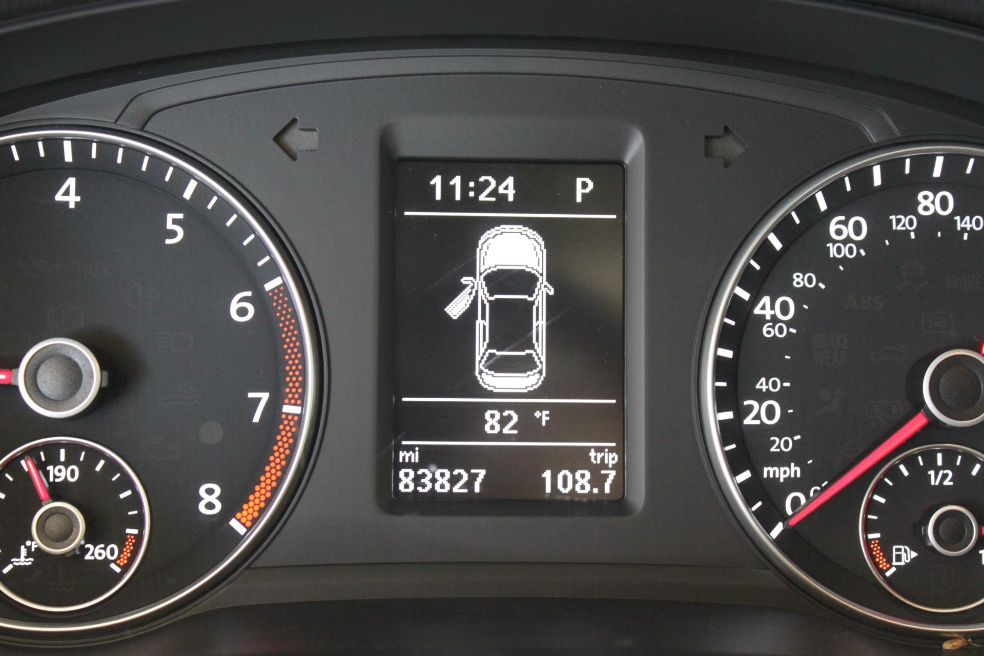 Used-2015-Volkswagen-Passat-18T-SE-w/Sunroof---Nav-Range-Rover