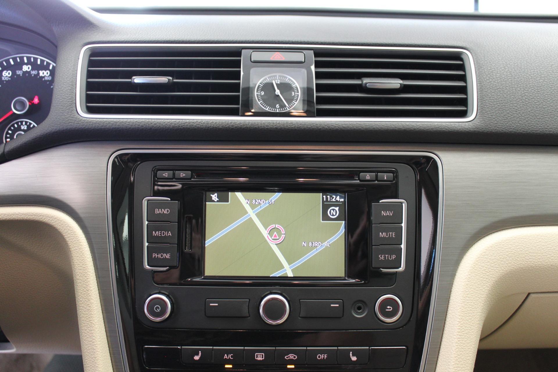 Used-2015-Volkswagen-Passat-18T-SE-w/Sunroof---Nav-Porsche