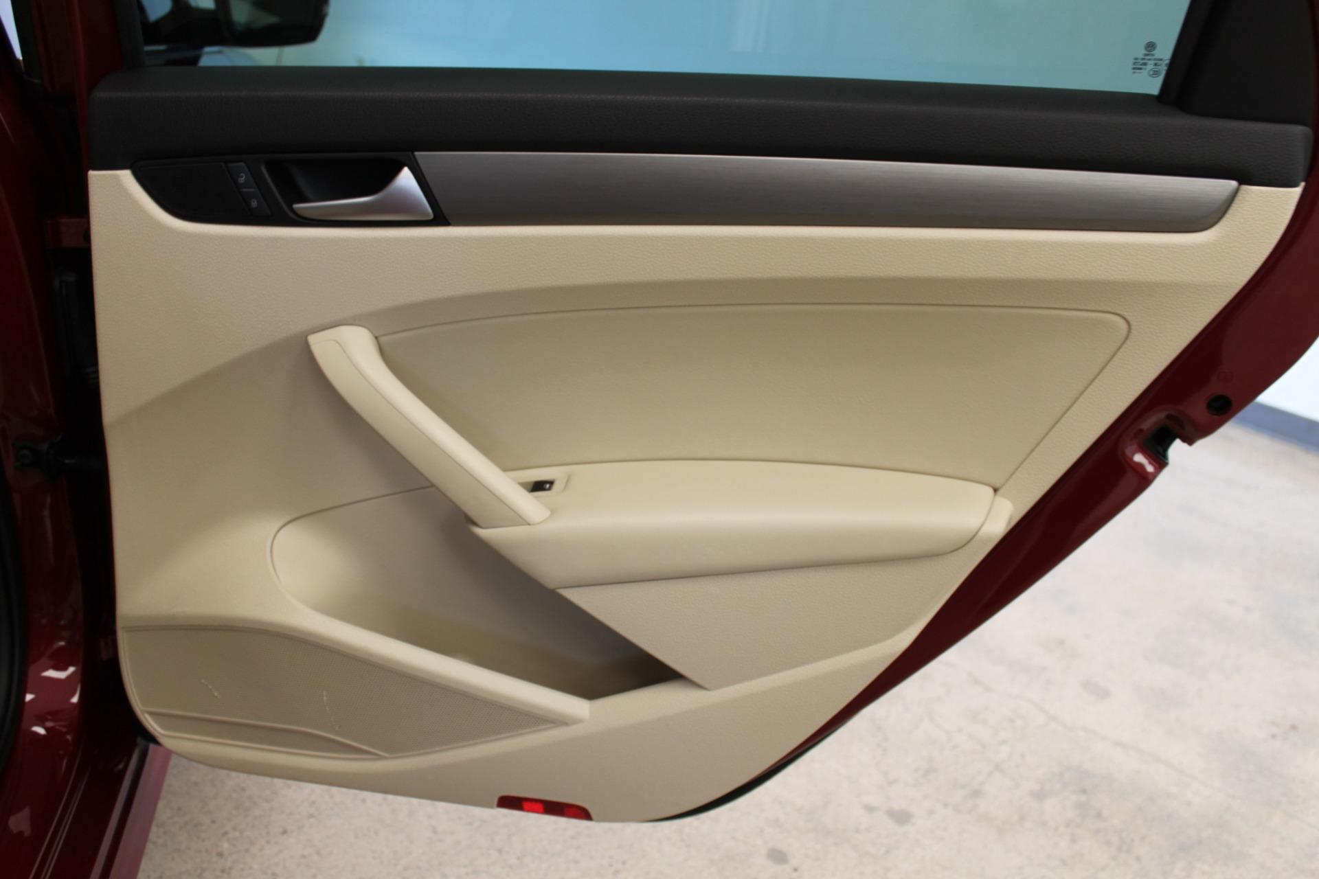 Used-2015-Volkswagen-Passat-18T-SE-w/Sunroof---Nav-Cherokee