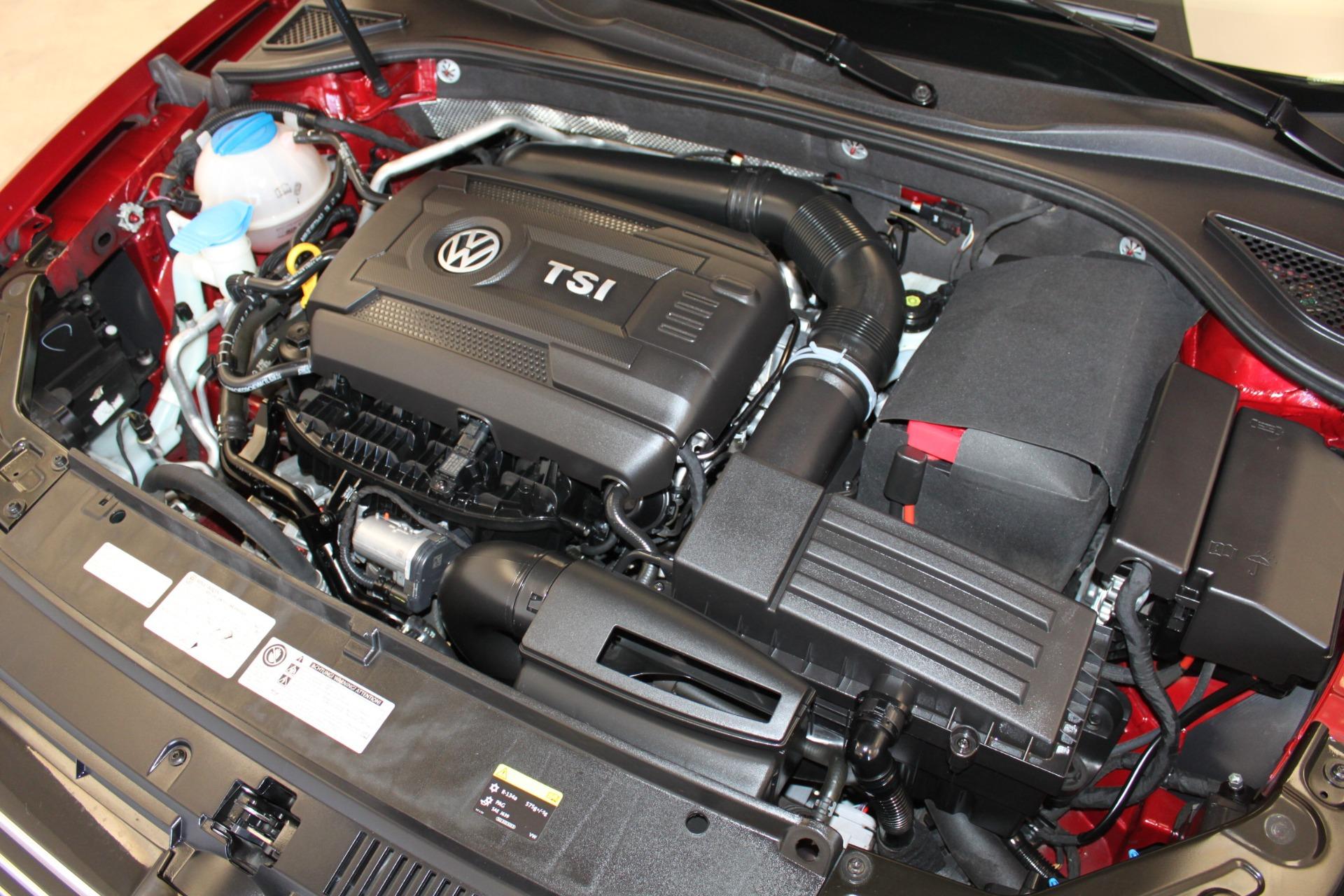 Used-2015-Volkswagen-Passat-18T-SE-w/Sunroof---Nav-Chevrolet