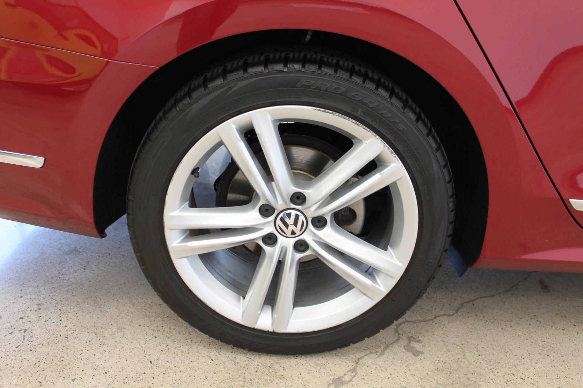 Used-2015-Volkswagen-Passat-18T-SE-w/Sunroof---Nav-LS430