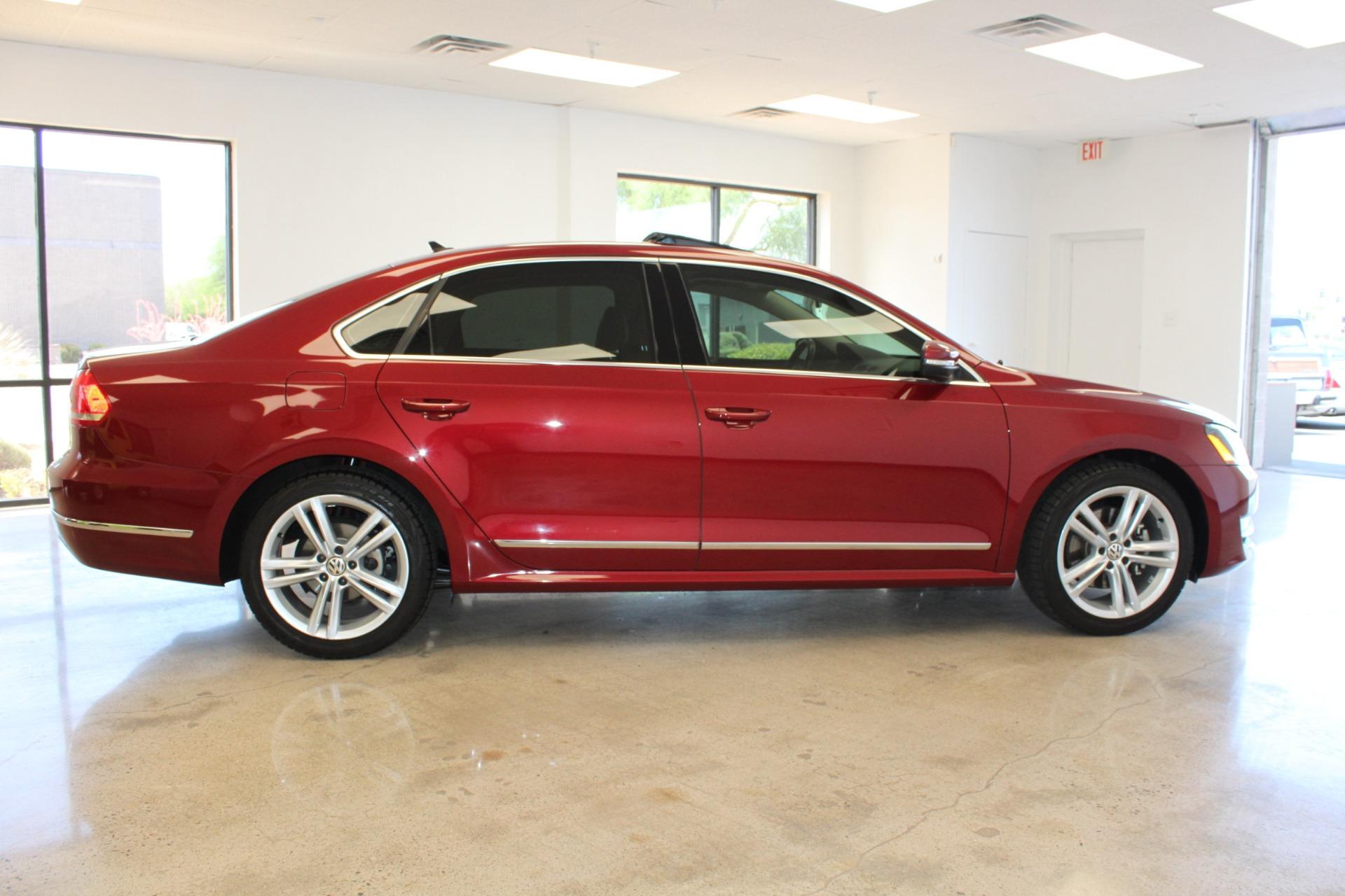 Used-2015-Volkswagen-Passat-18T-SE-w/Sunroof---Nav-Chrysler