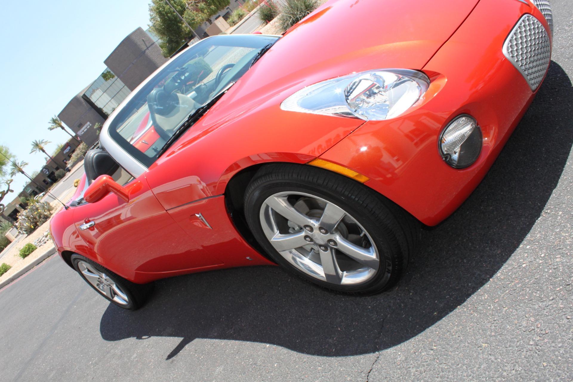 Used-2008-Pontiac-Solstice-Grand-Cherokee
